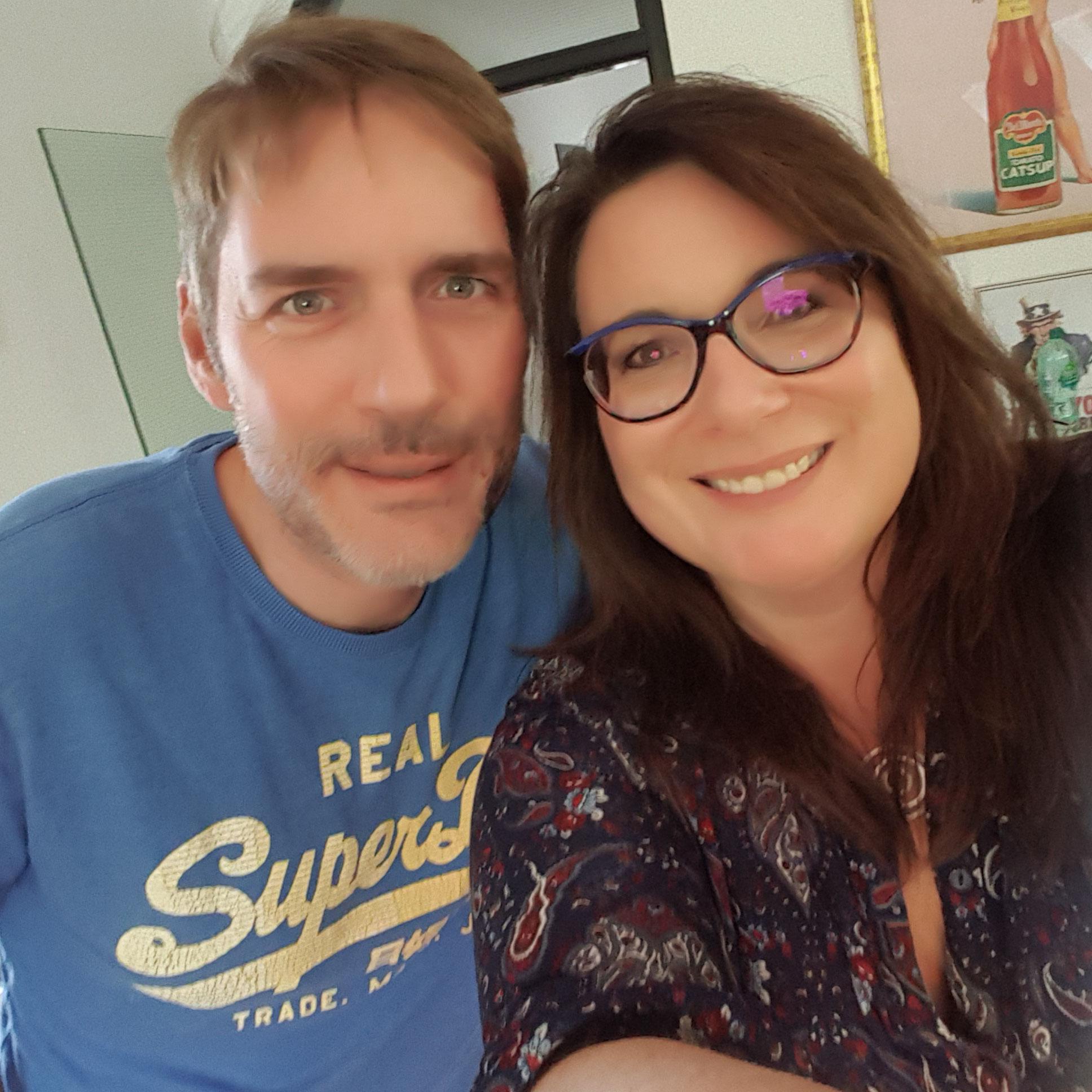Björn Brost und Carmen Pitsch beim Podcast Interview in Düsseldorf