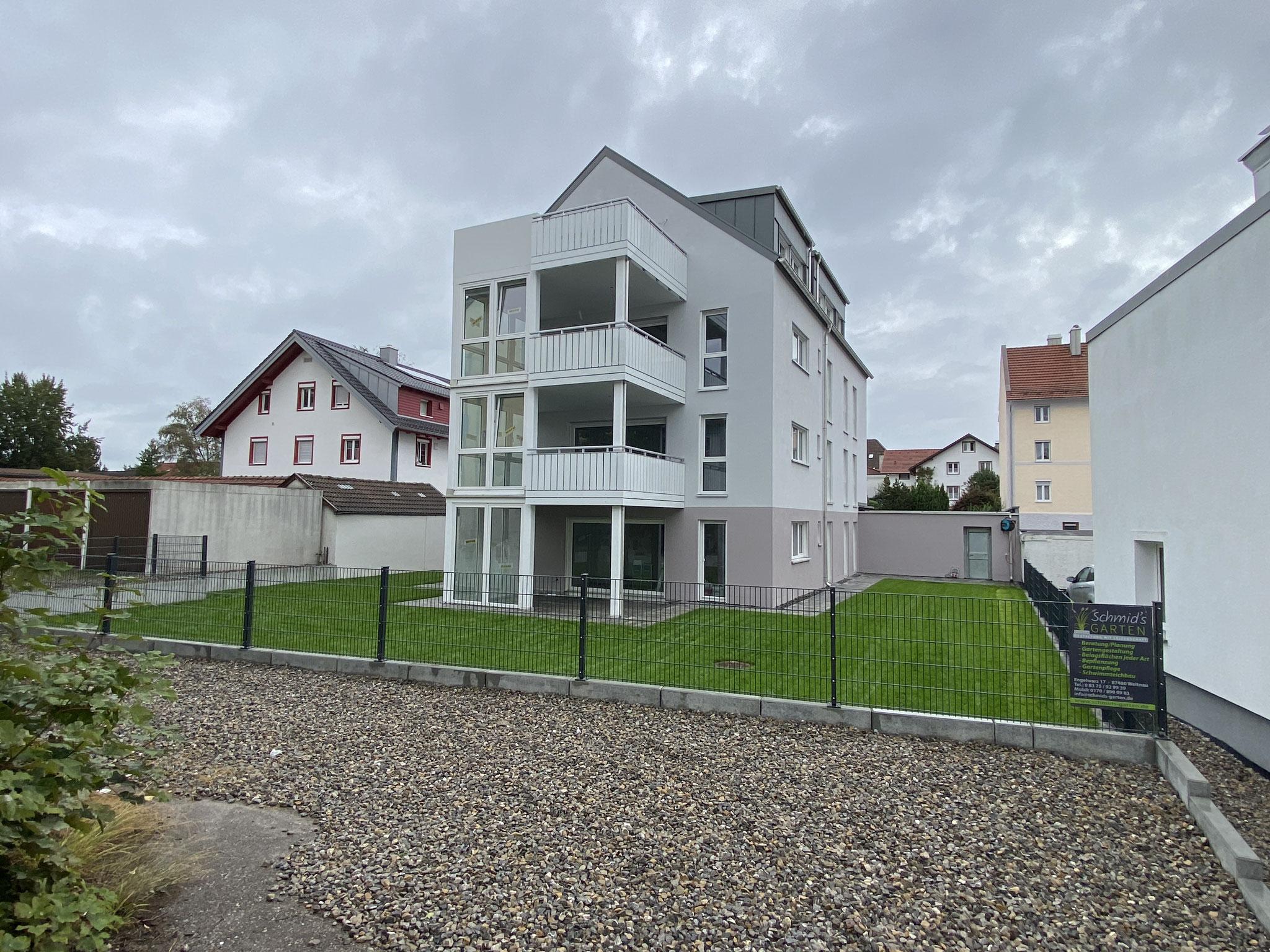 BV: Sankt Mang Schlüsselfertiges 4 Fam. Haus mit Garagen