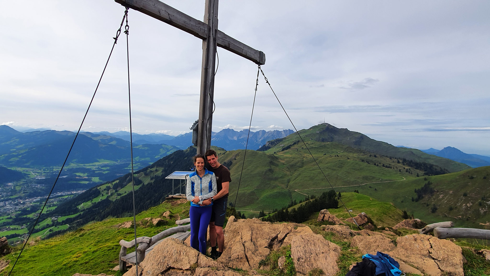 ...endlich das Gipfelkreuz vom Karstein (1.922 m)