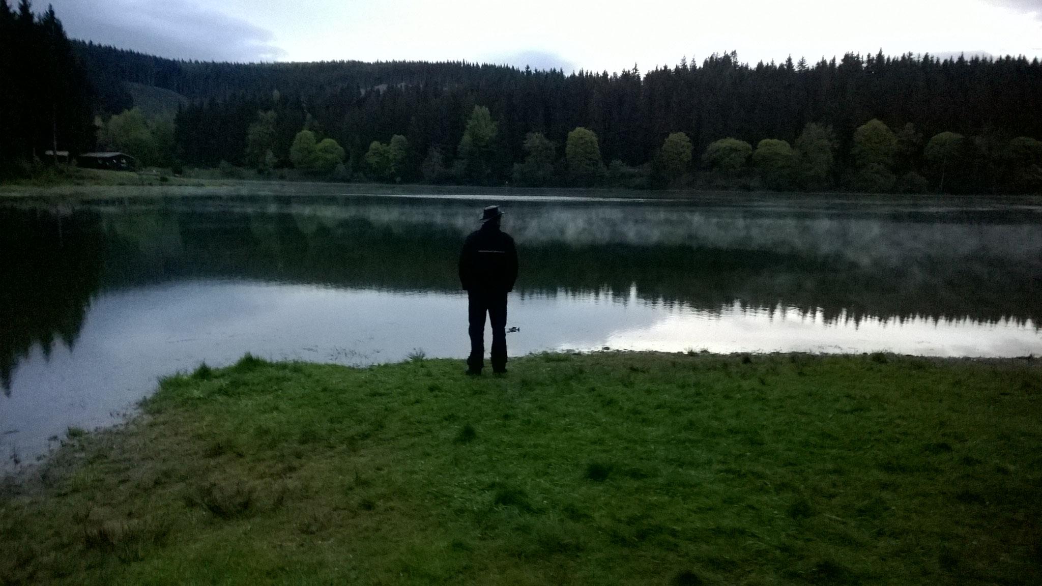 Und der Geist Gottes schwebte über dem Wasser.
