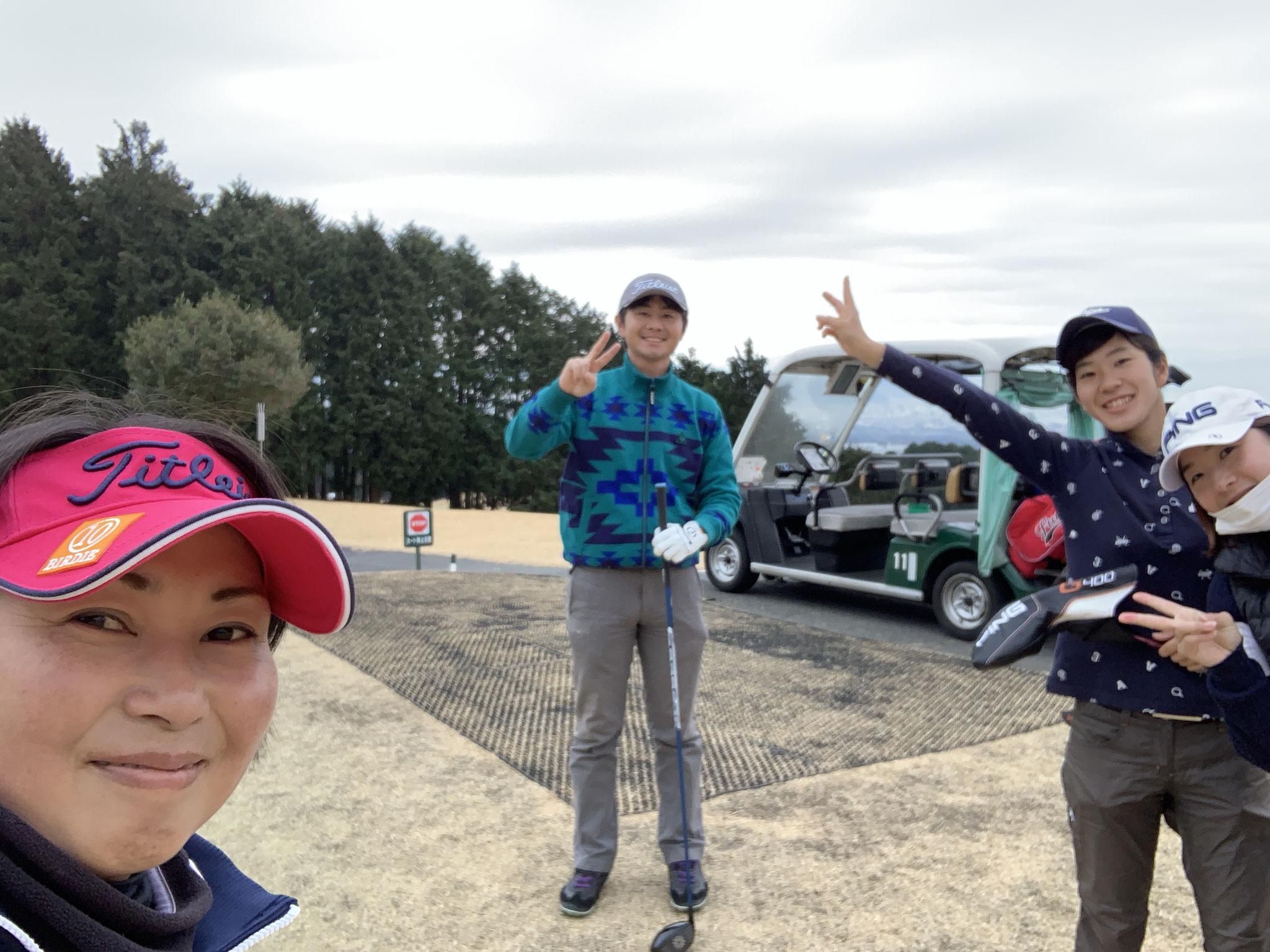 スタッフゴルフコンペも開催