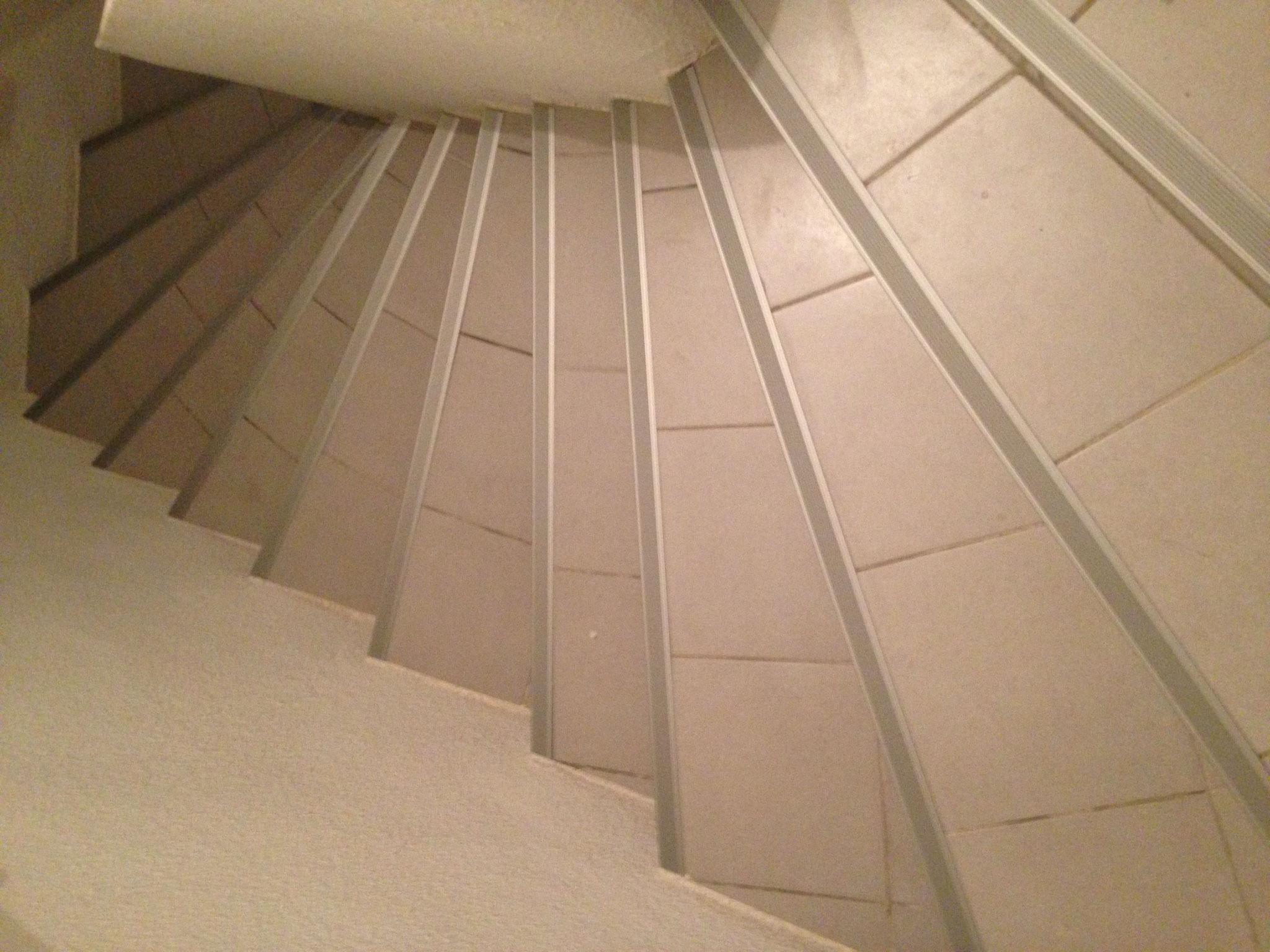 Rénovation d'une cage à escalier immeuble APRES