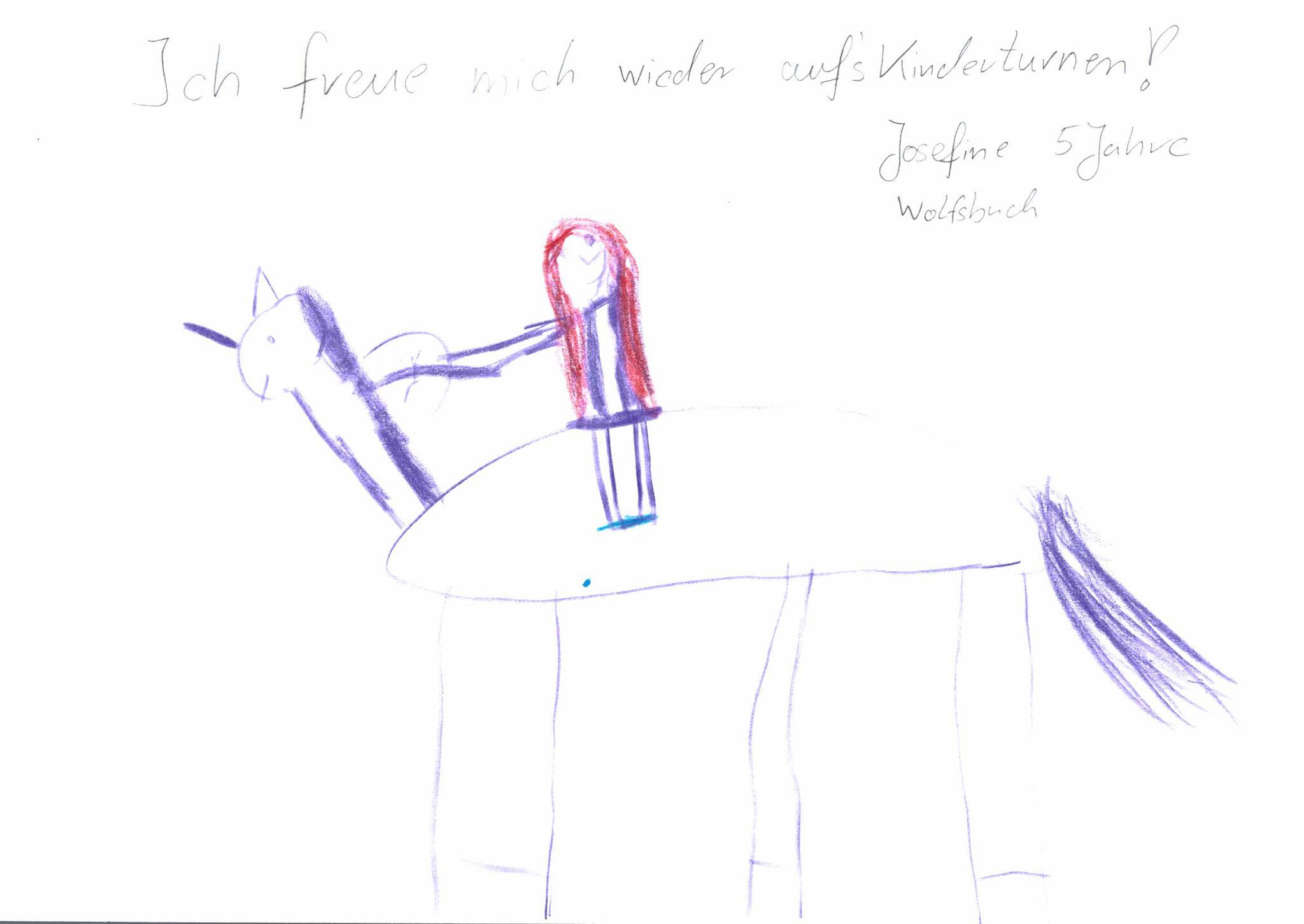 Josefine Frey, 5 Jahre, Wolfsbuch