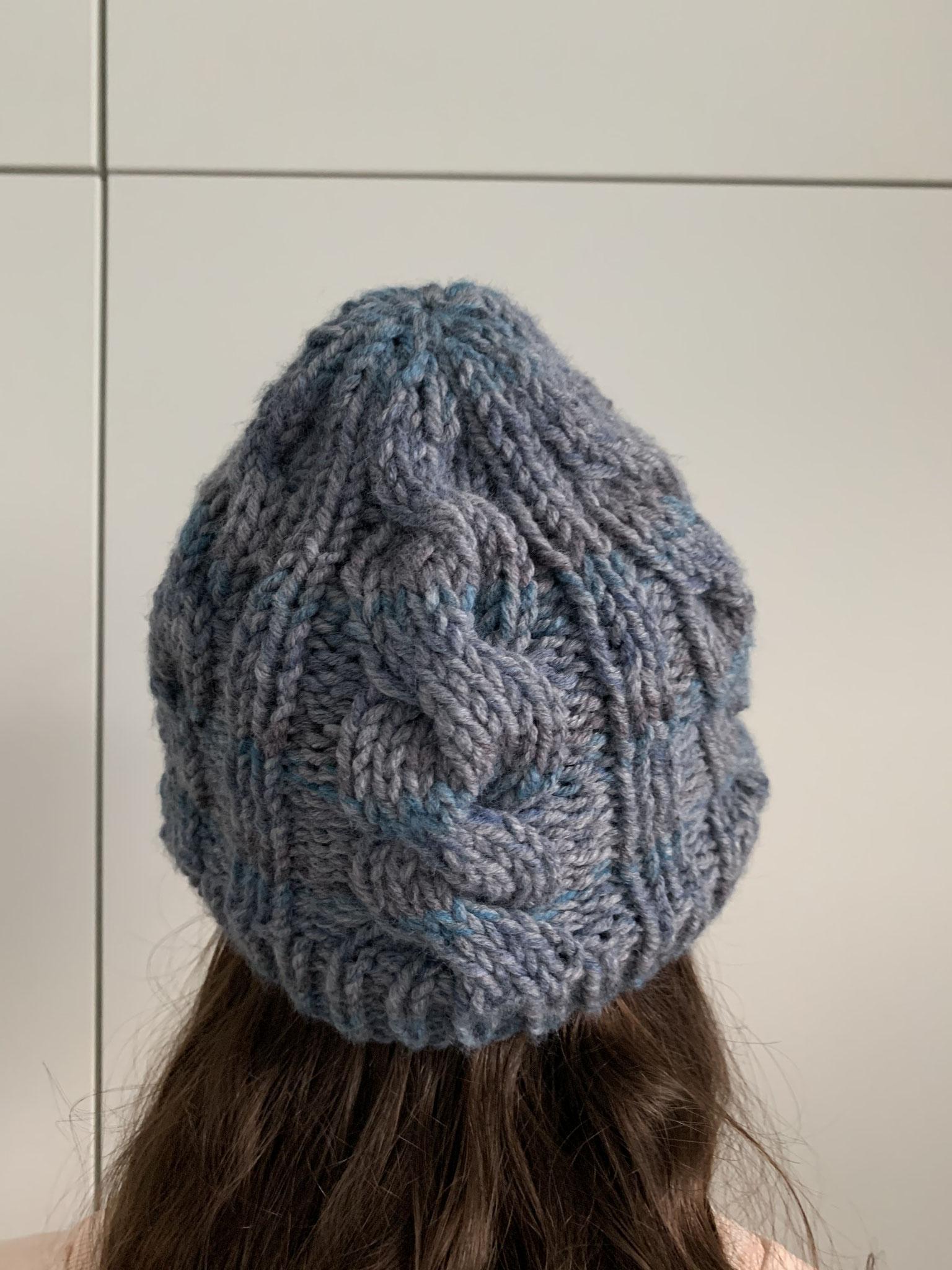 Mütze mit Zopfmuster 30,00 Euro