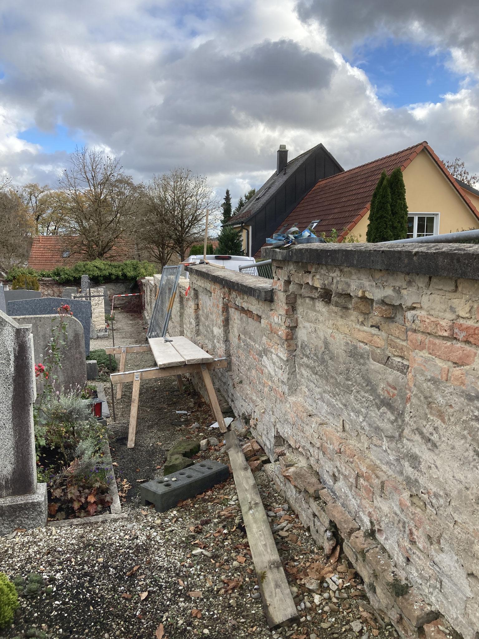 Abbruch Friedhofsmauer