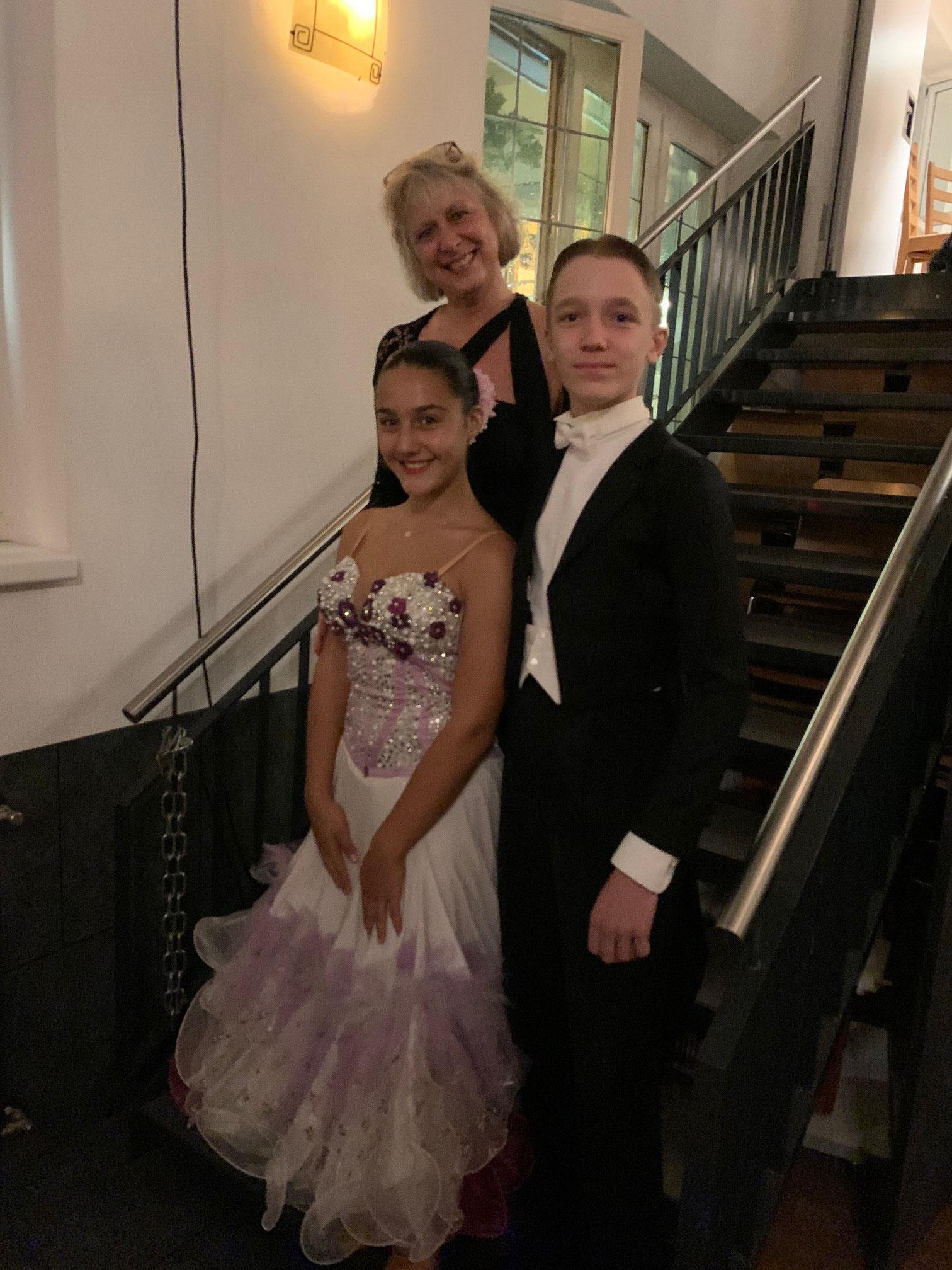 Claudia mit Lea und Lukas