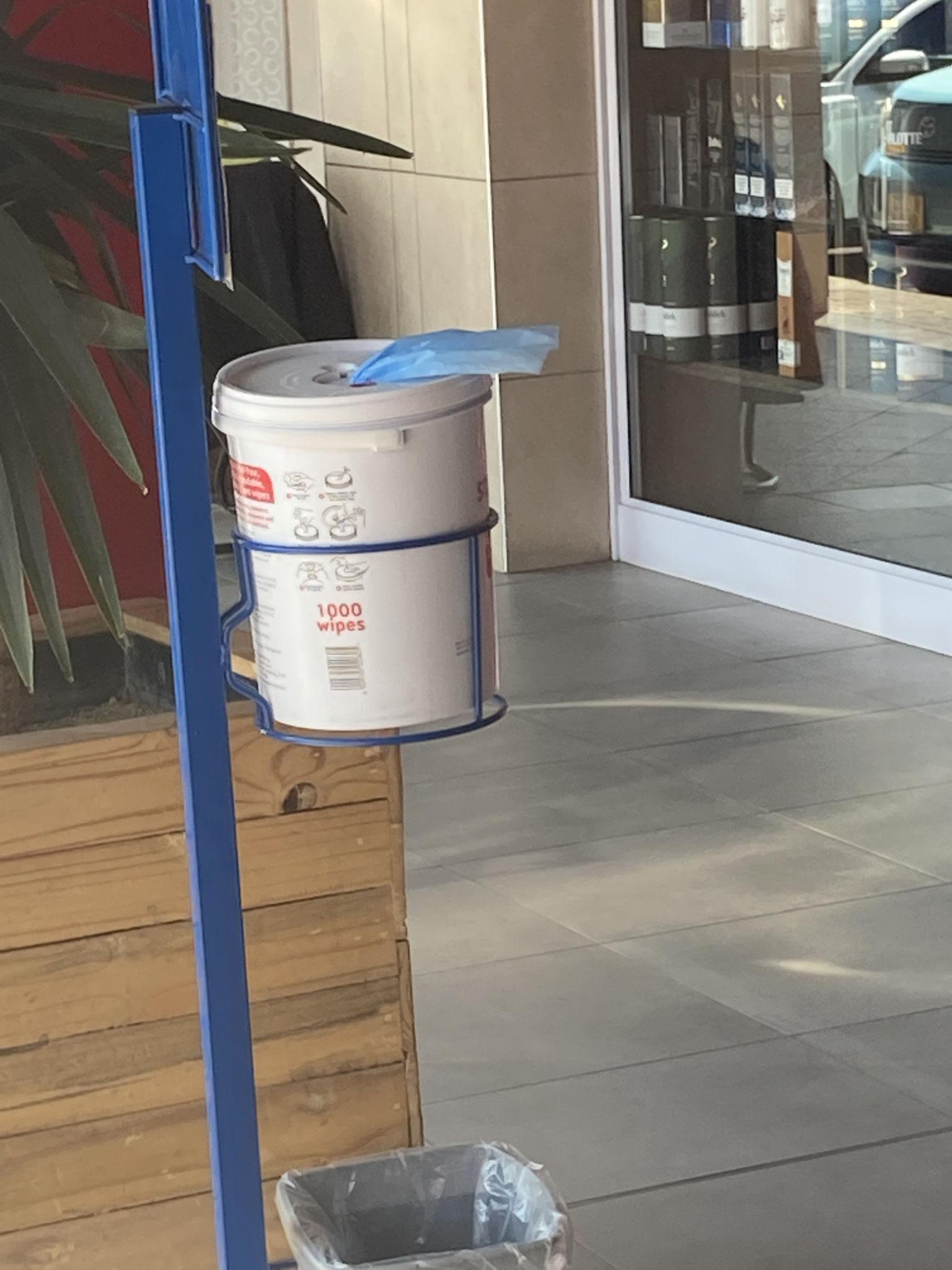 Desinfektion für den Einkaufswagen