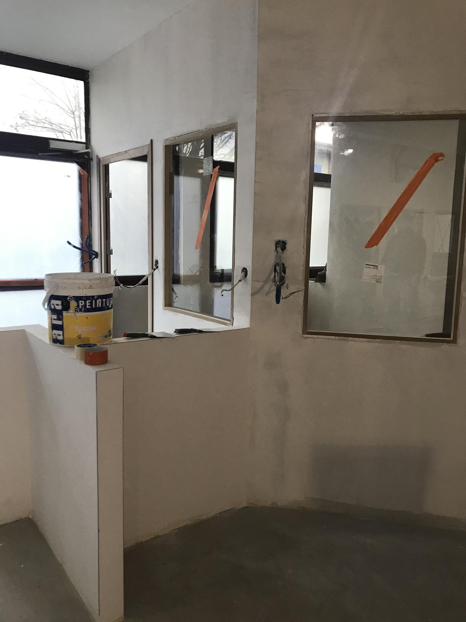 Le 21 janvier : Les vitres intérieures sont posées