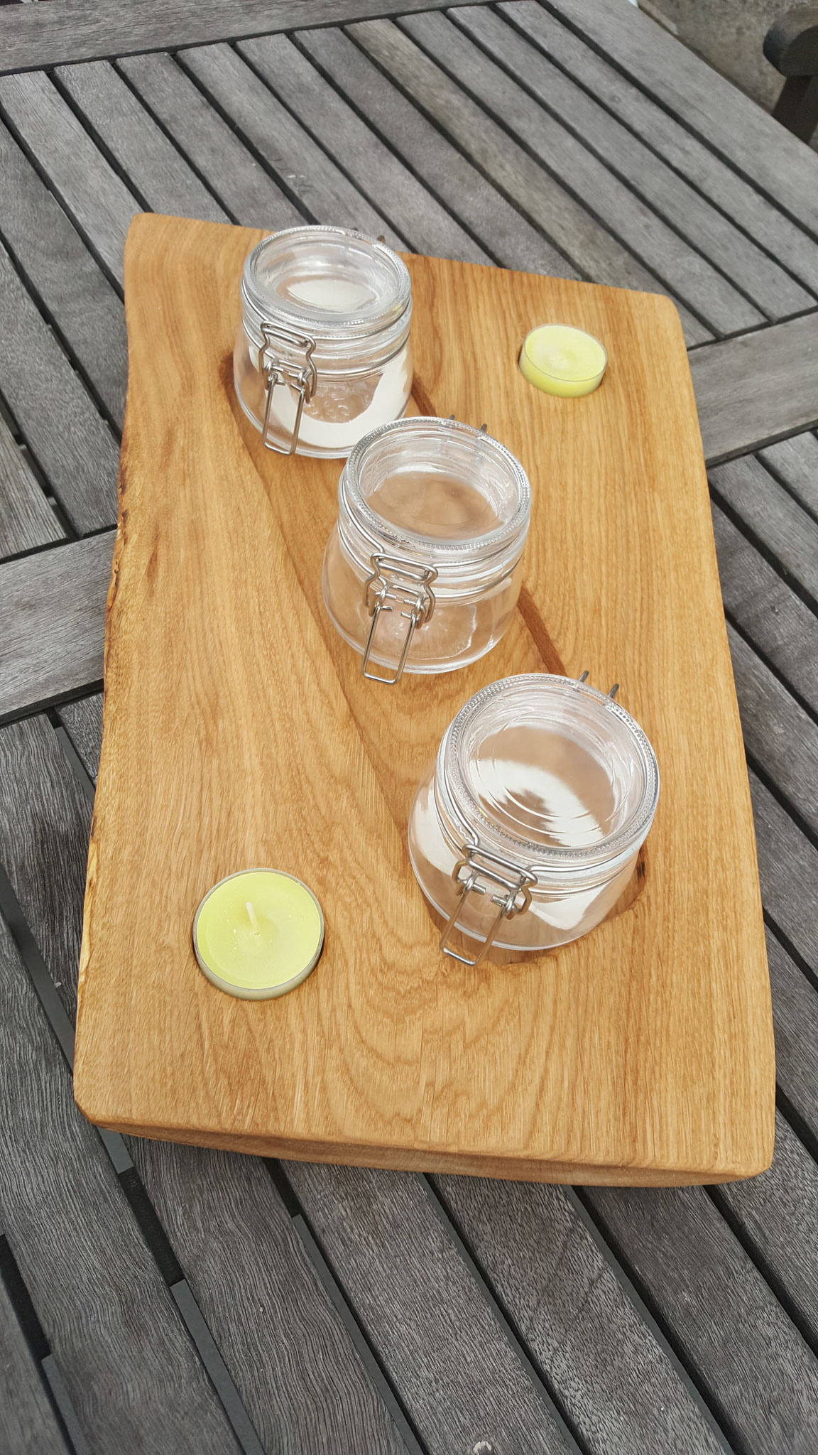 Tischdeko mit Teelichter und Gläschen zum befüllen