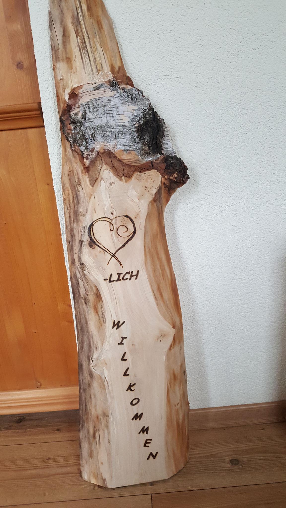 Holzschild Birkenbrett Herzlich Willkommen zum Anstellen