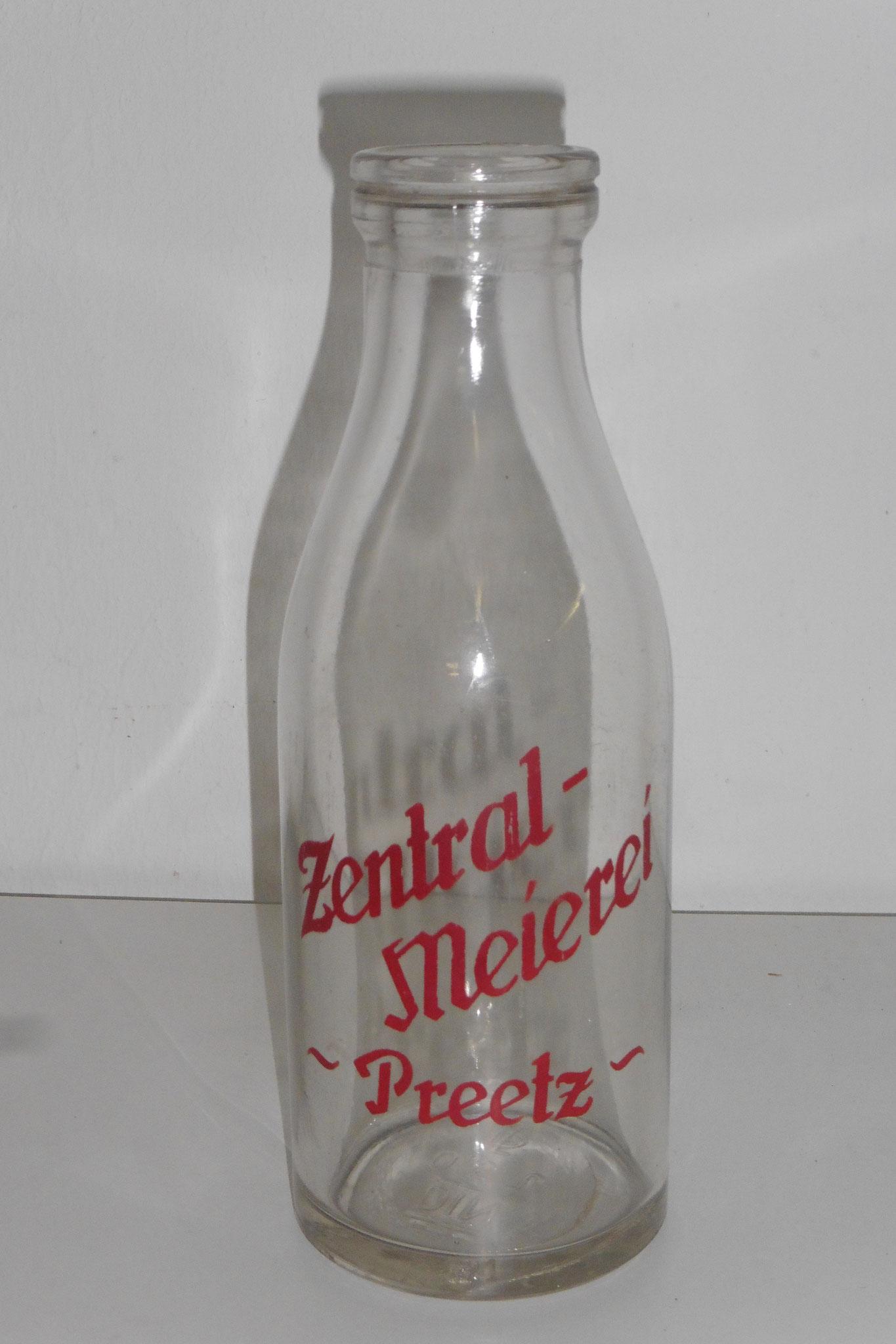 Pfandflasche der Zentralmeierei in Preetz