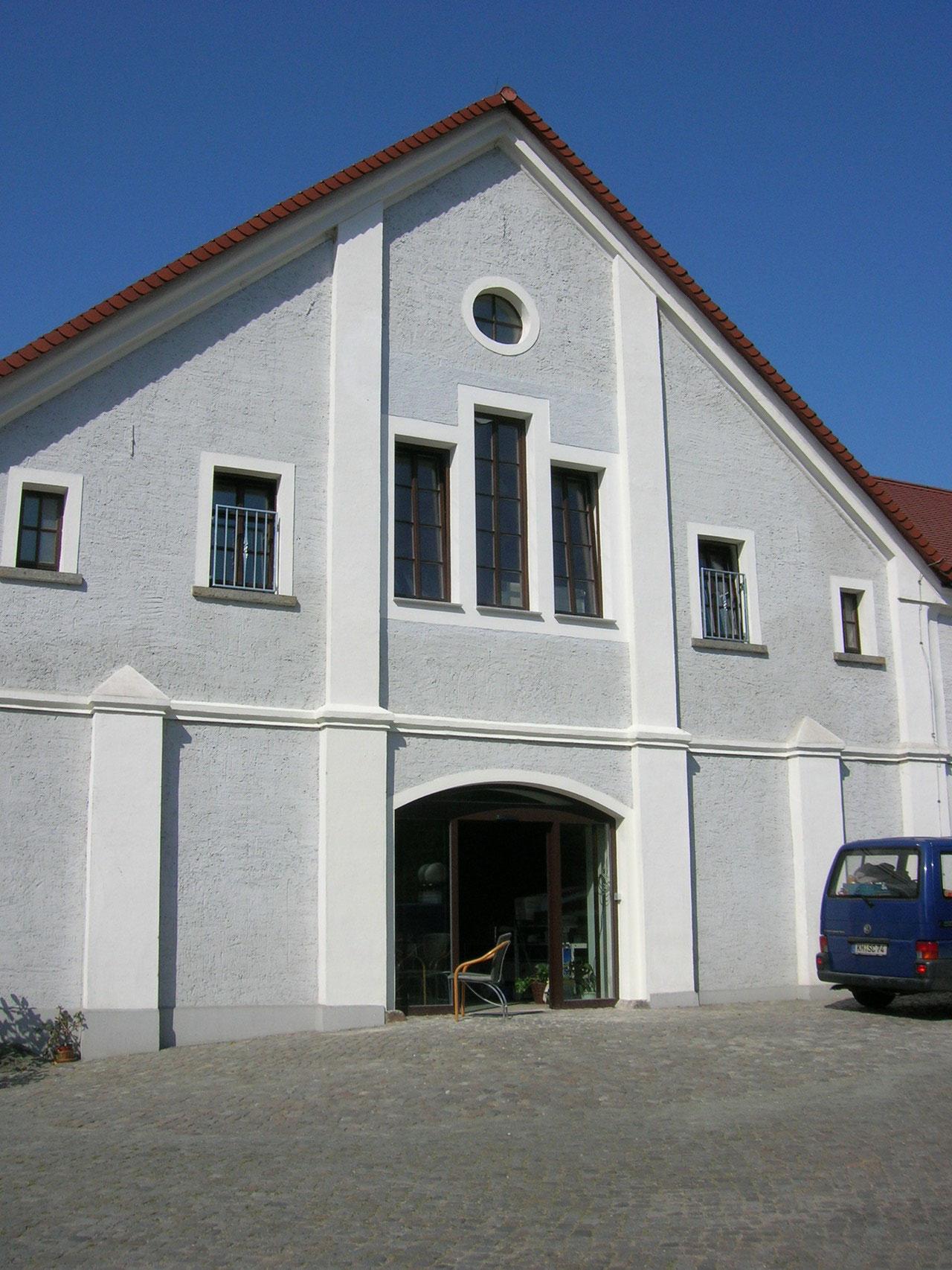 Umbau des Kuhstalles zu Hofladen und Behindertenwerkstatt, 2008