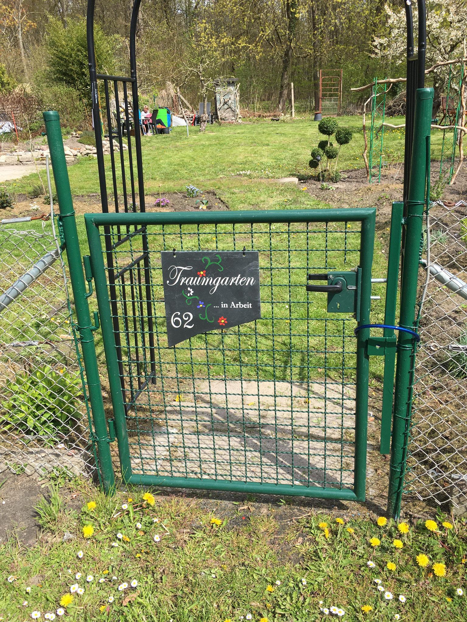 ein neuer Garten nimmt Gestalt an. Super und weiter so.