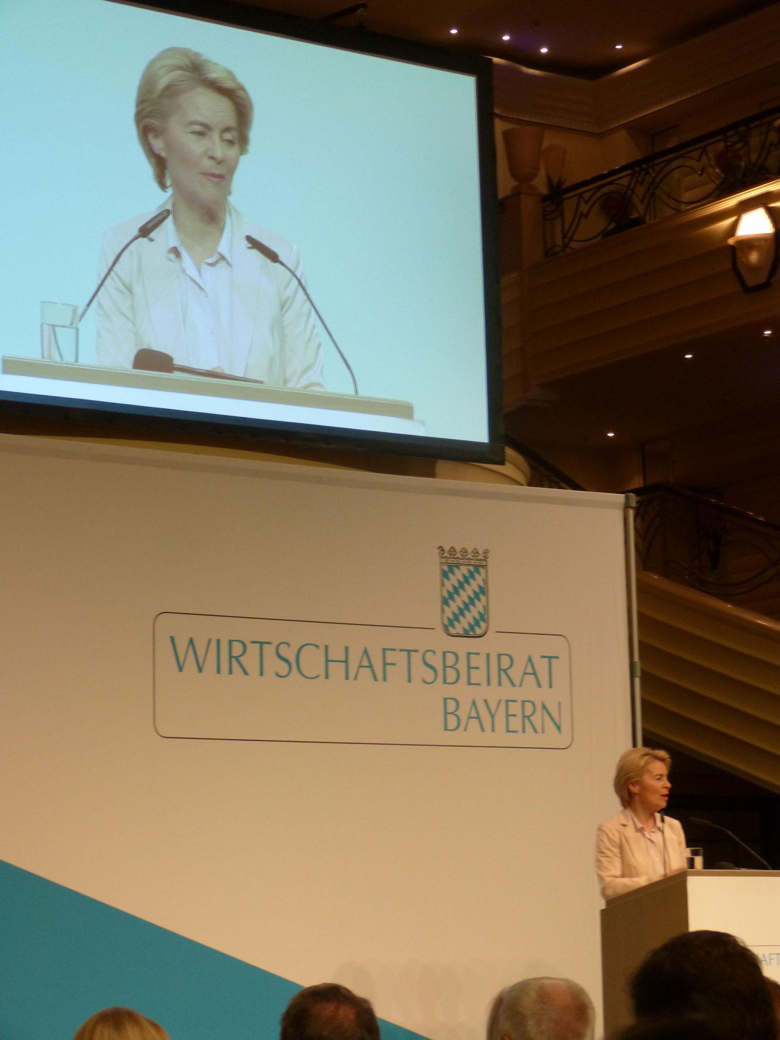 Frau Dr. Ursula von der Leyen ruft zu einer europäischen Zukunft auf
