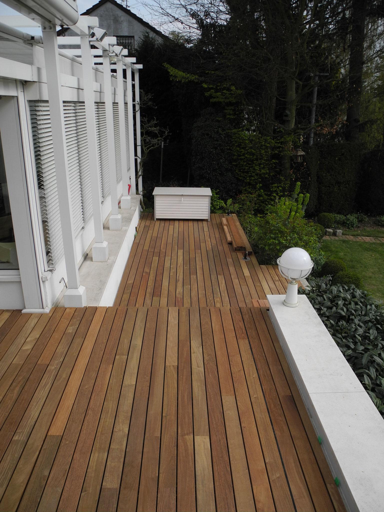 Ipe Deck mit zwei Ebenen