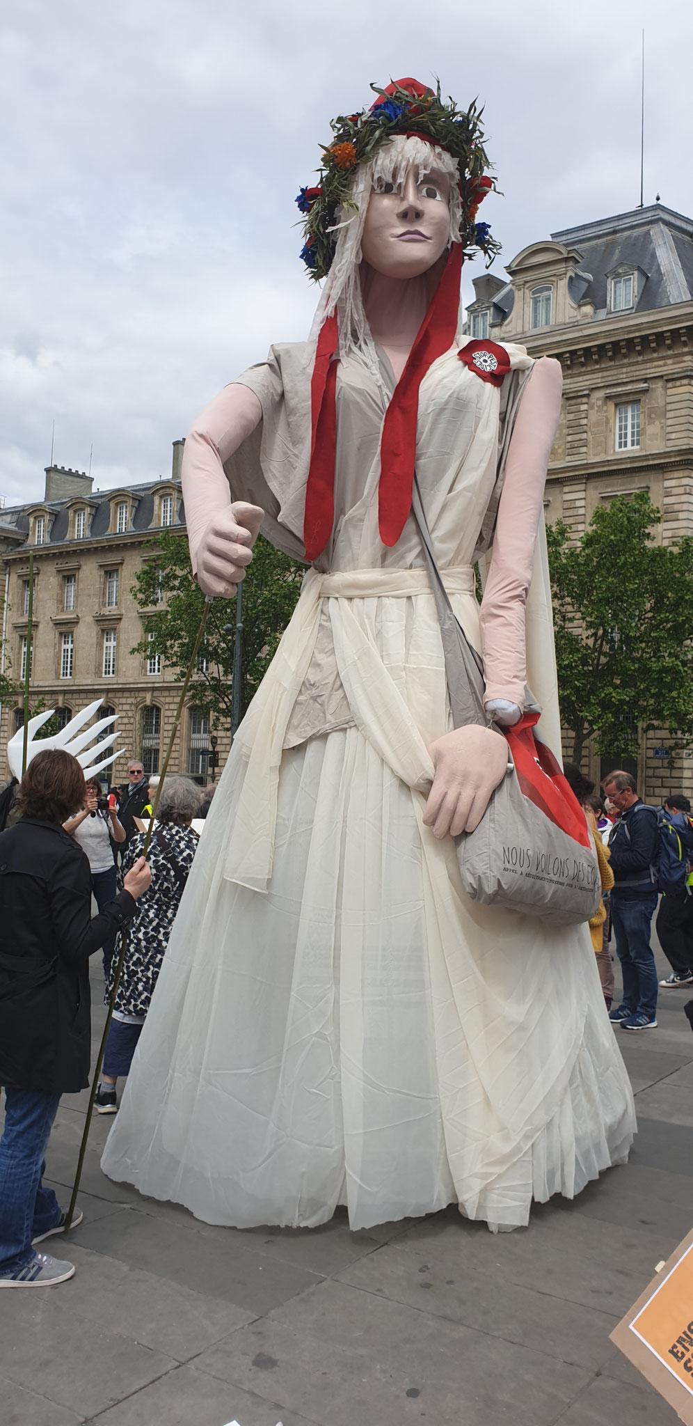 Acte 27  Le 18 Mai 2019 je me rends à Paris pour y rencontrer des Journalistes www.jesuispatrick.com