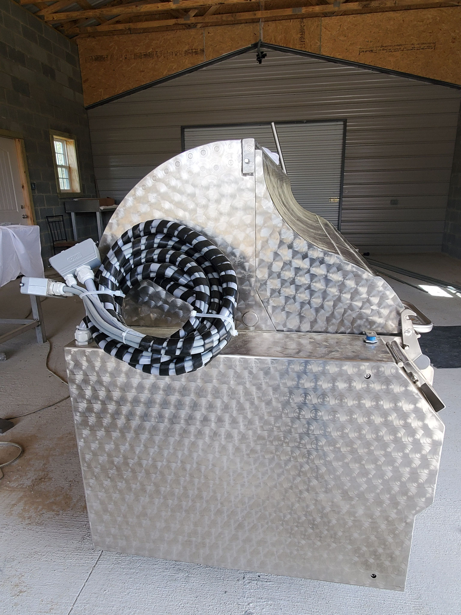 Hog Scalder Dehairer HNSK Single Phase for hogs up to 700 pounds