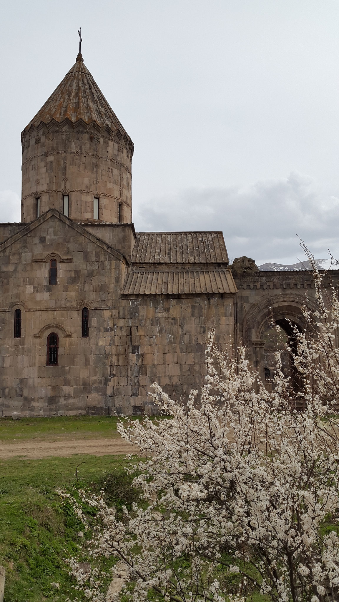 Tatev im April