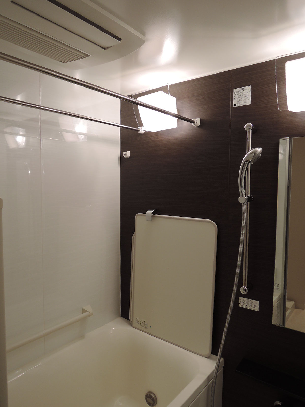 浴室暖房乾燥機付きのセミオートバス