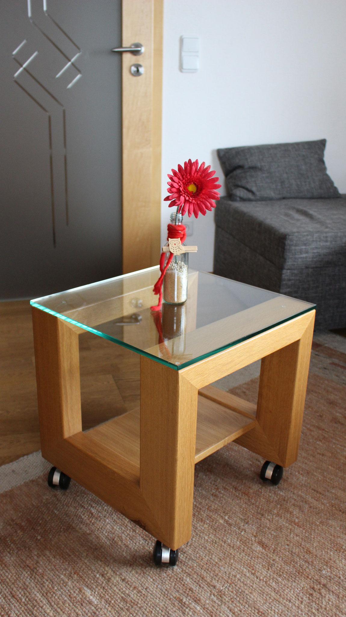 Beistell - Tisch