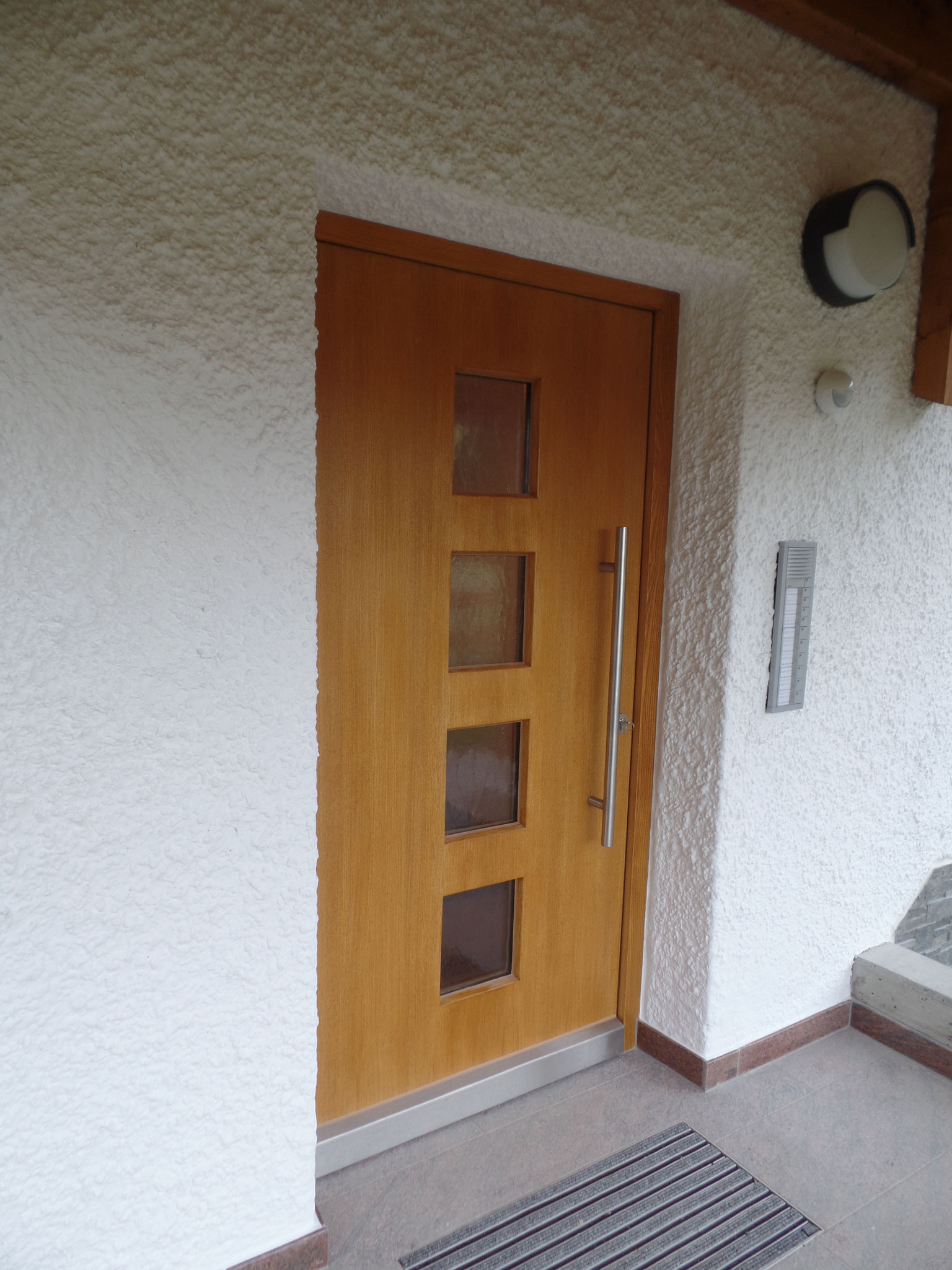 Haustüre aus Lärche