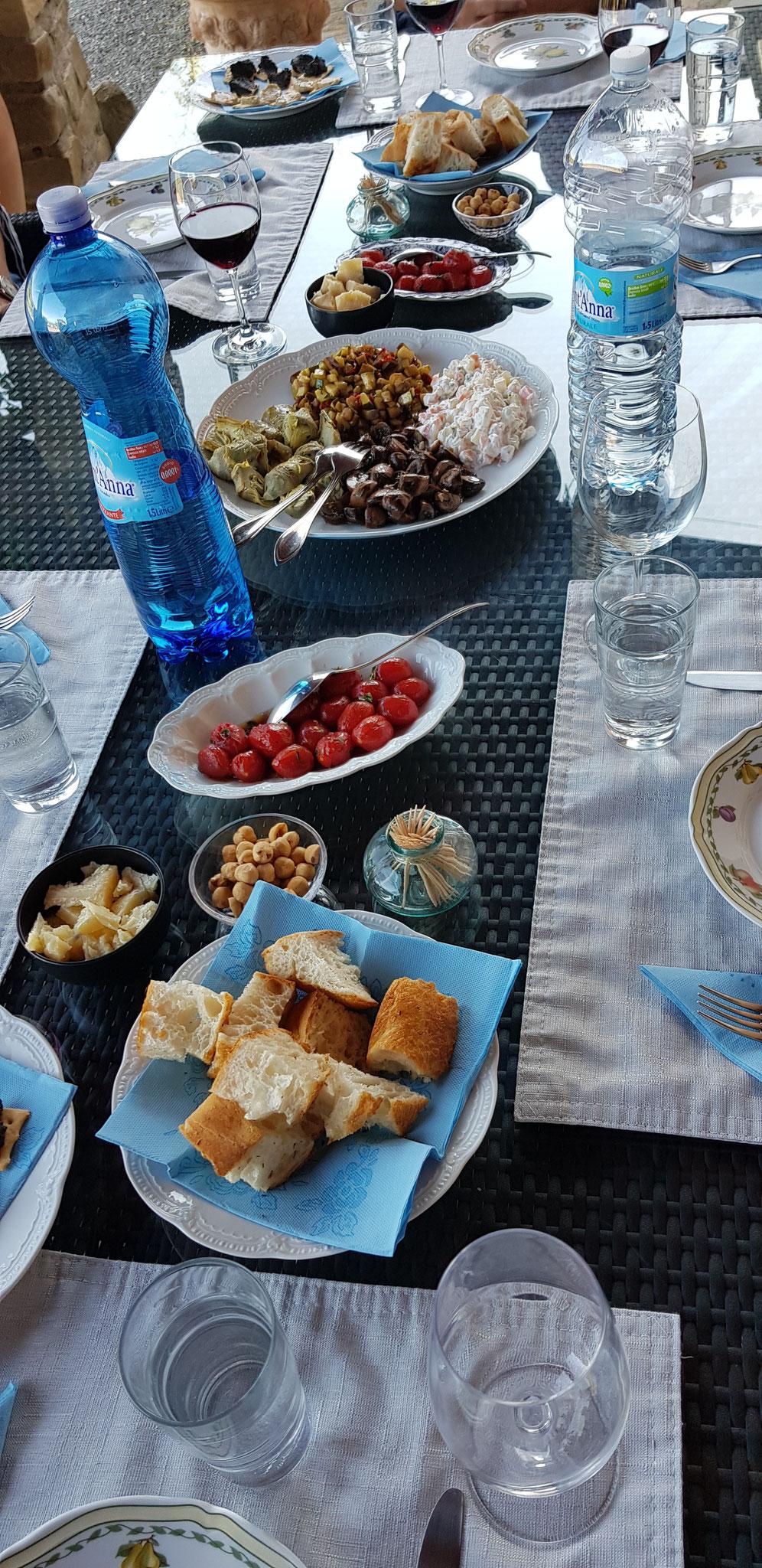 Der Vorspeisen-Tisch