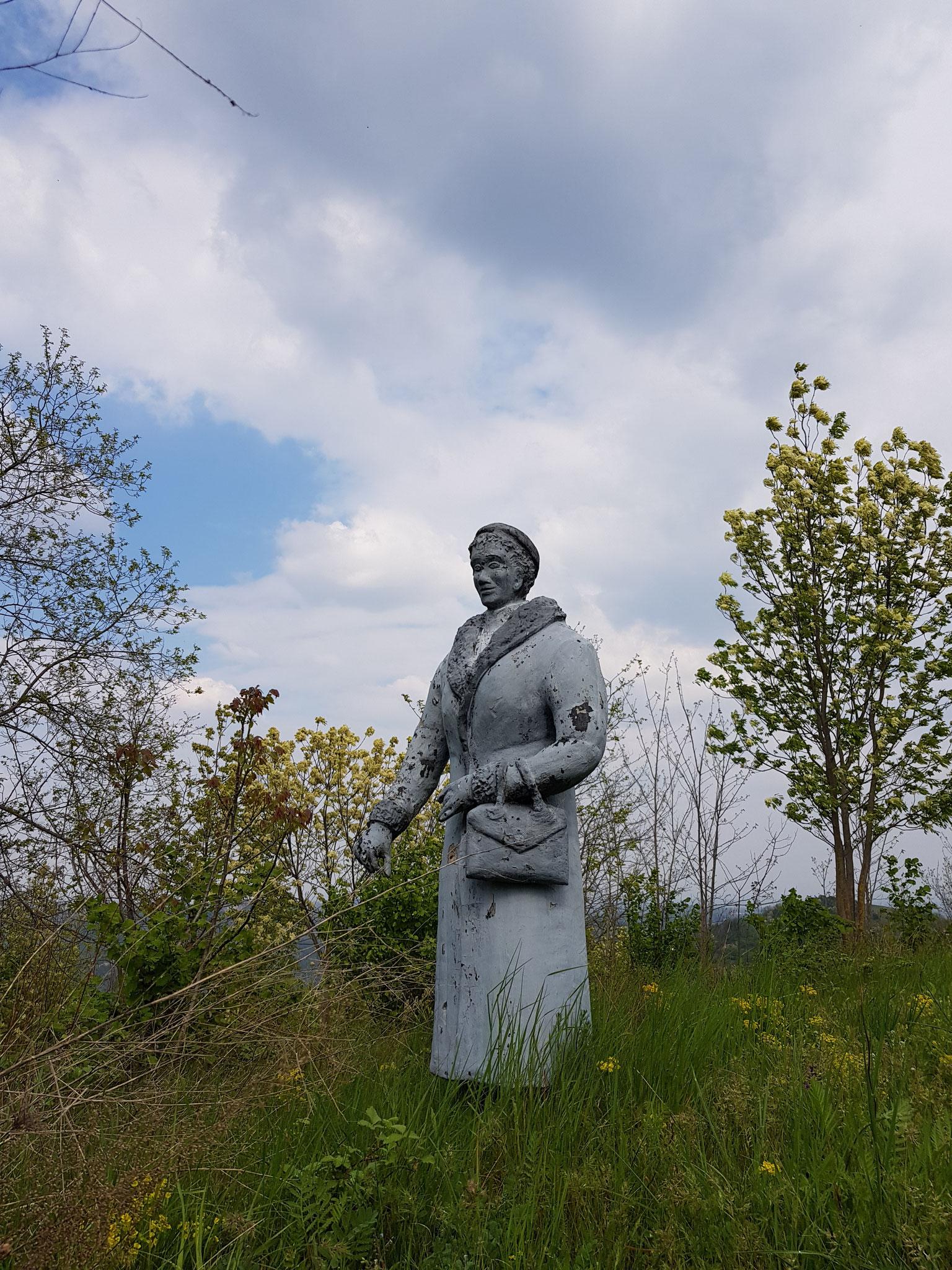 Auf dem Skulpturenweg in Montabone.