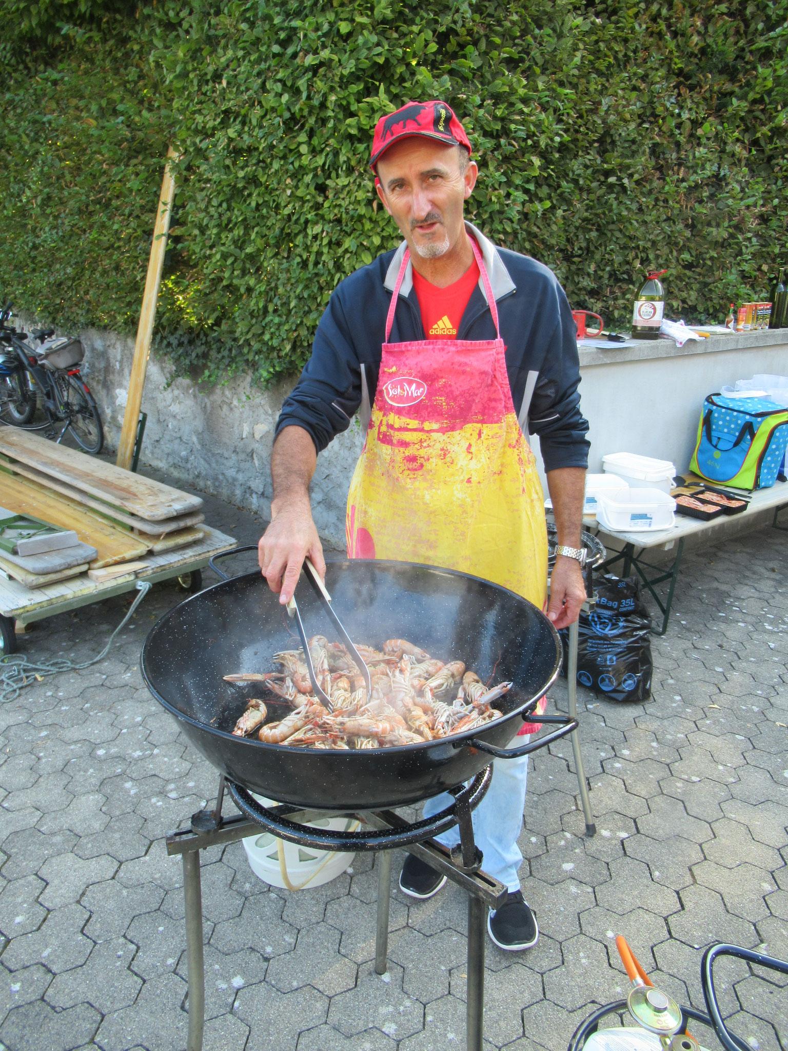 """Der Paella-Koch: """"Modi"""""""