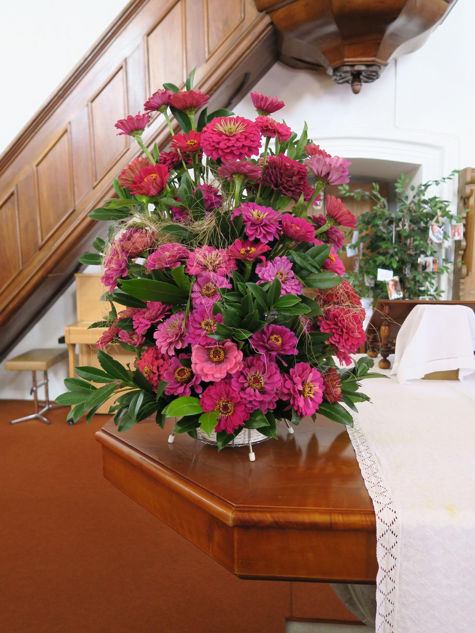 Von Theres Dietschi liebevoll hergerichteter Blumenschmuck