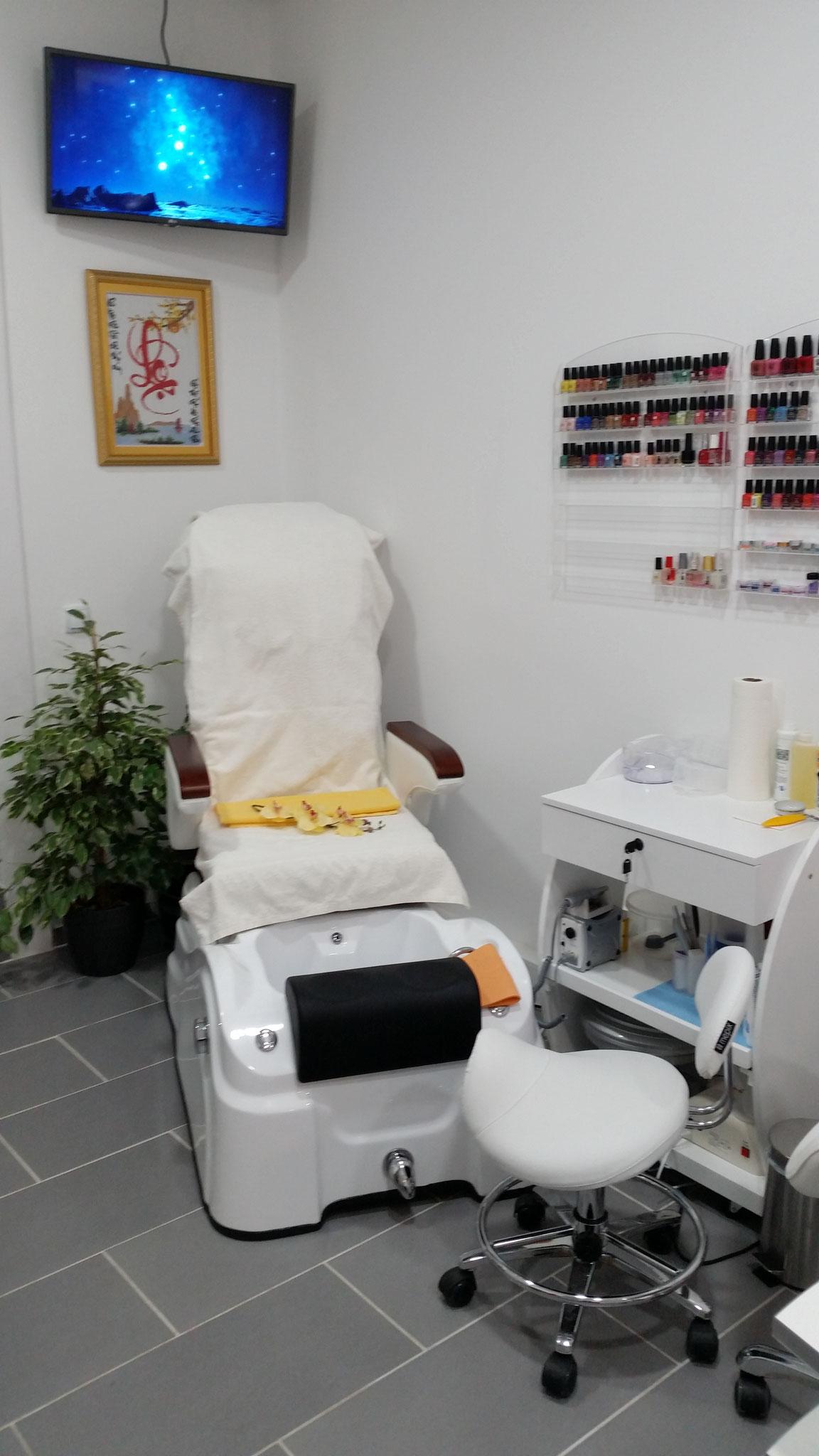 Wir begrüßen sie sehr Herzlich bei Phu's Beauty & Wellness Studio