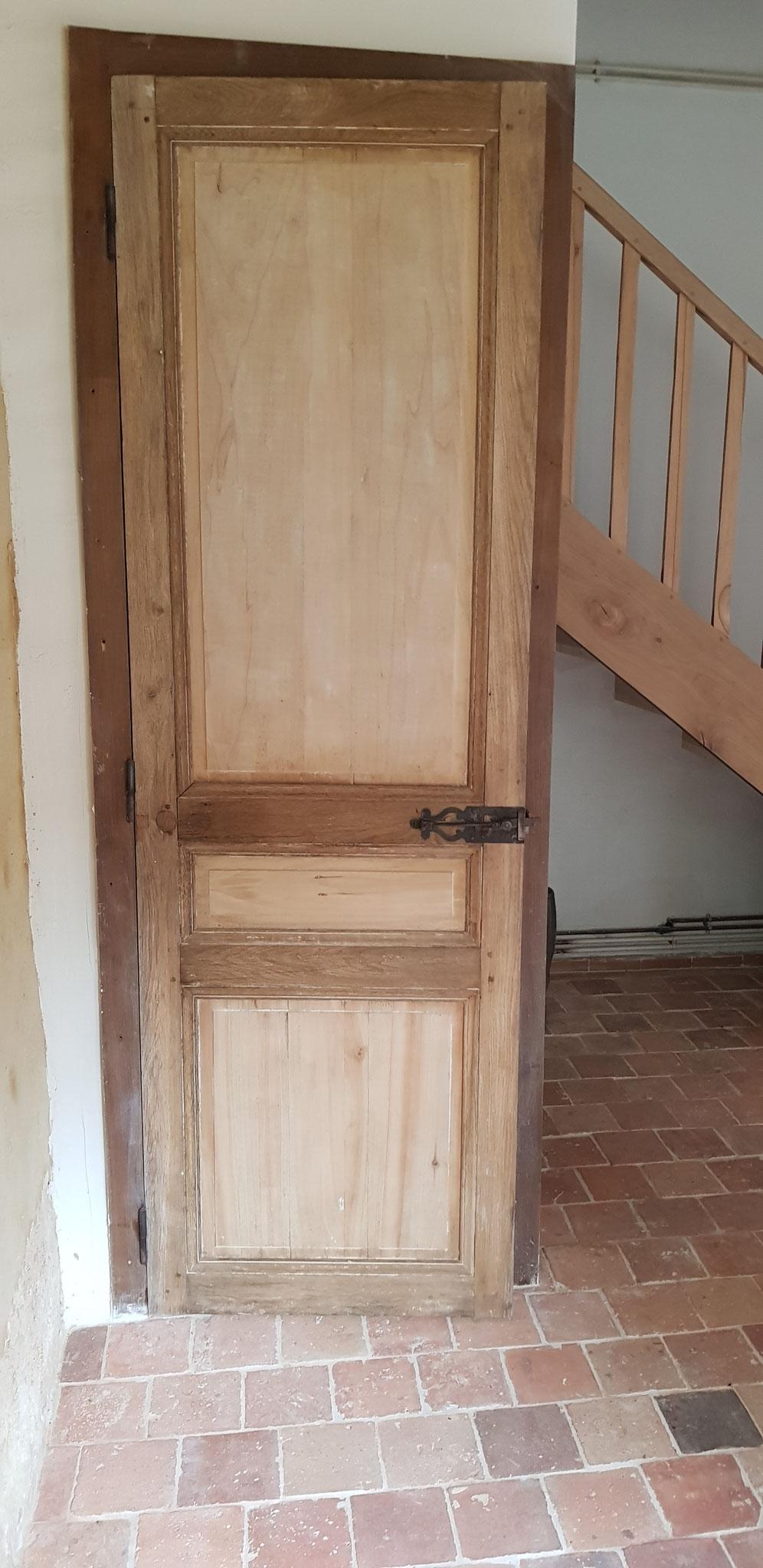 Création wc sous l'escalier, pose de vieilles portes anciennes de récupération