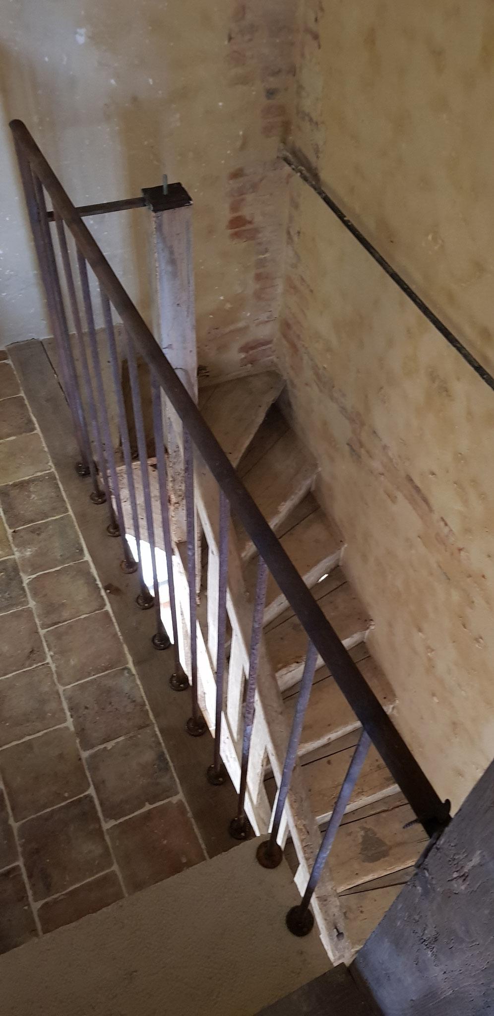 Récuperation achat escalier ancien, démontage remontage, création balustrade acier vieilli