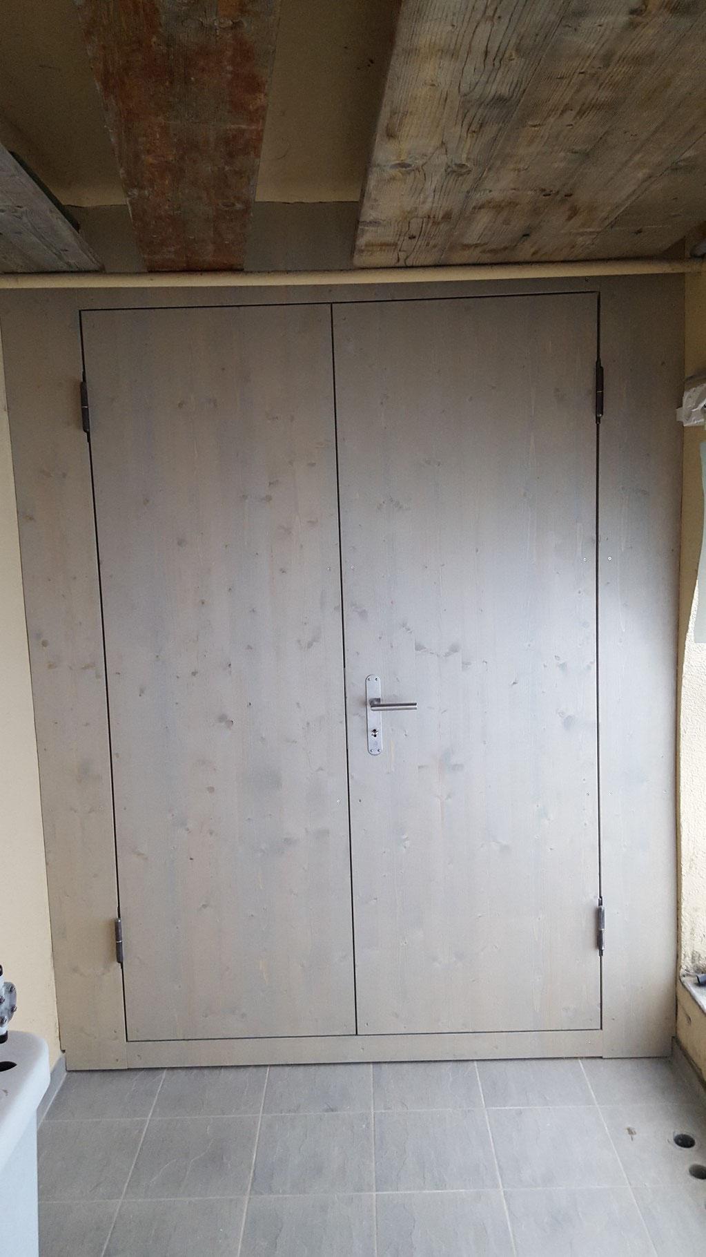 Die fertige Wand mit Doppelflügeltür