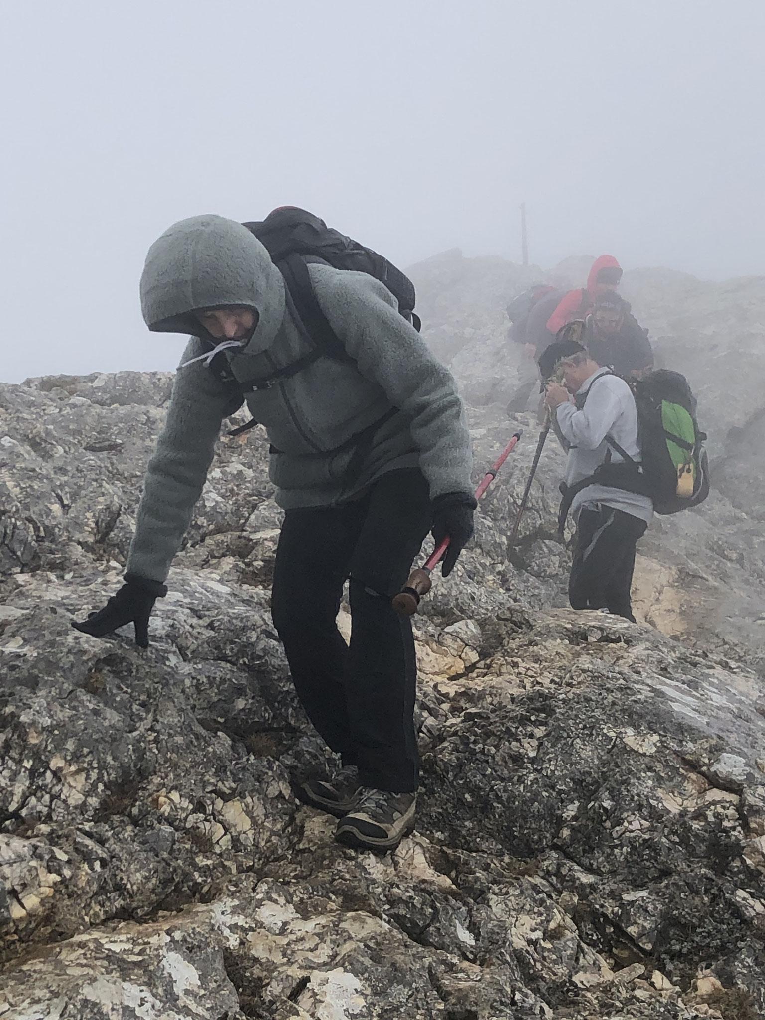 sur les crêtes (vent pluie brouillard)