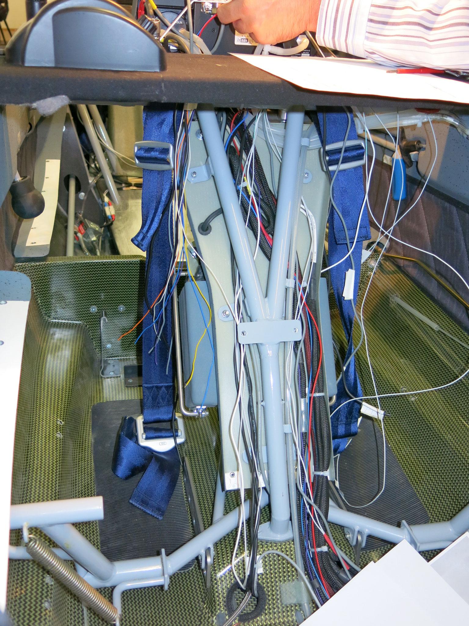viele zusätzliche elektrische Leitungen ...