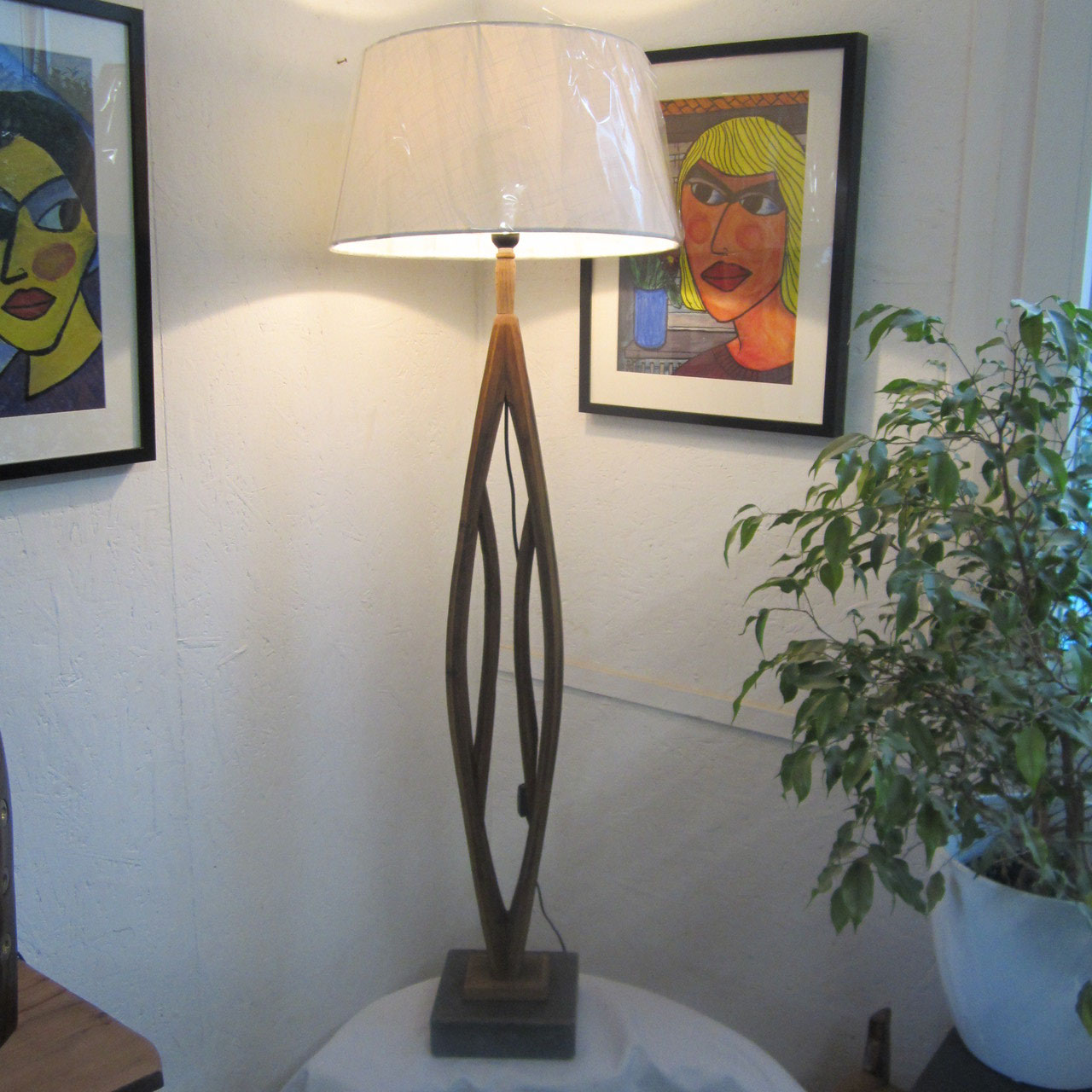 leuchten lampen unikate aus holz stein u metall nach udo 39 s art udo s art kunst aus holz stein. Black Bedroom Furniture Sets. Home Design Ideas