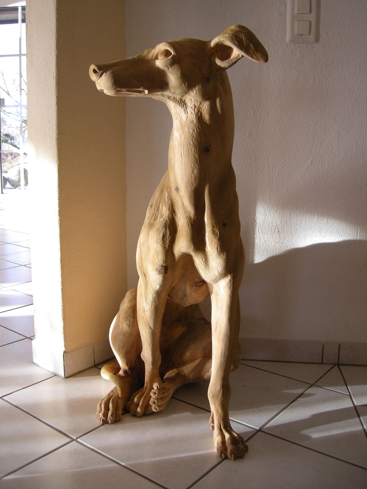 Windhund geschnitzt von Paul Widmer