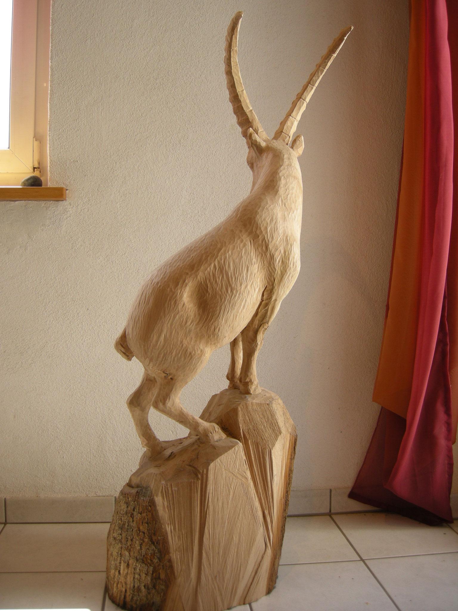 Steinbockskulptur