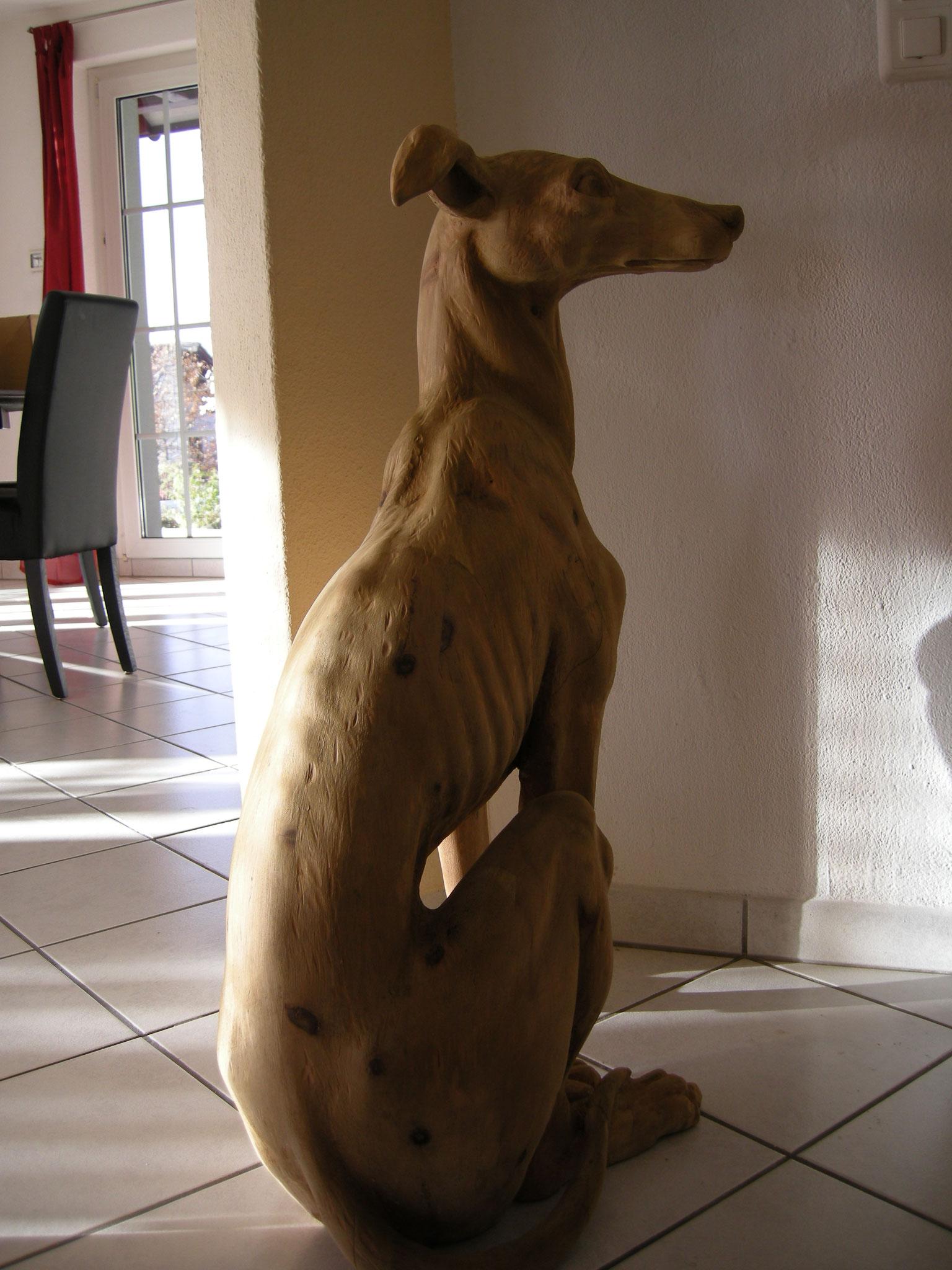 Windhund Schnitzerei