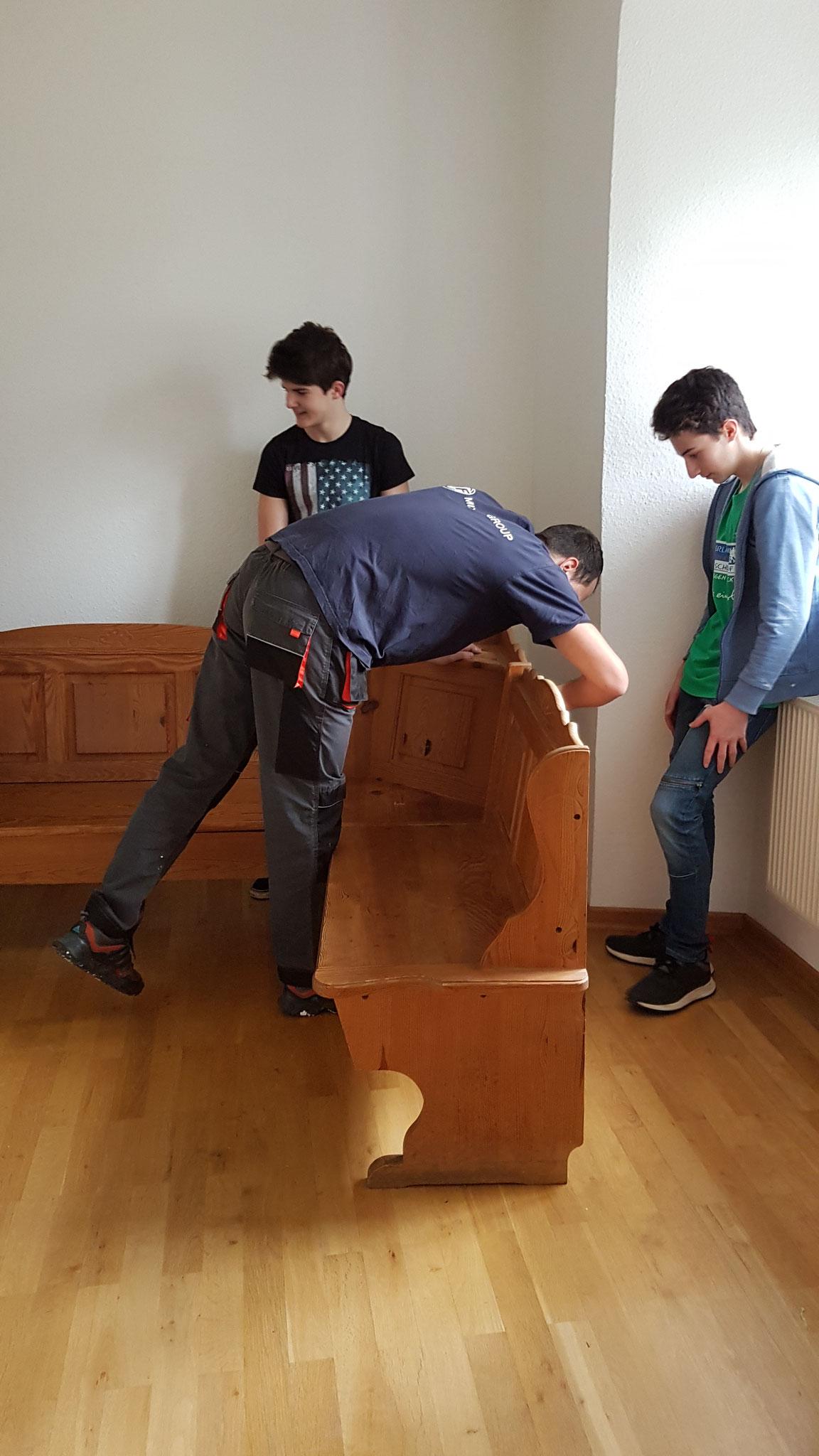 Unsere Möbel wurden in den Ausweichräumen abgebaut...
