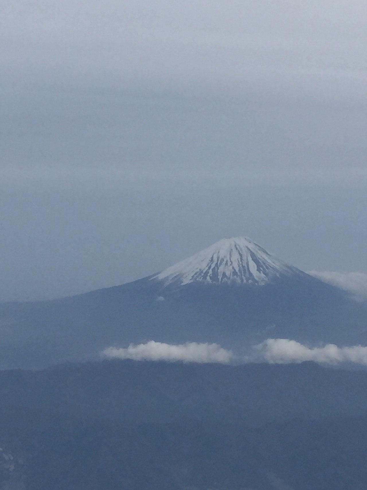 行きの飛行機からは富士山がきれいに見えました