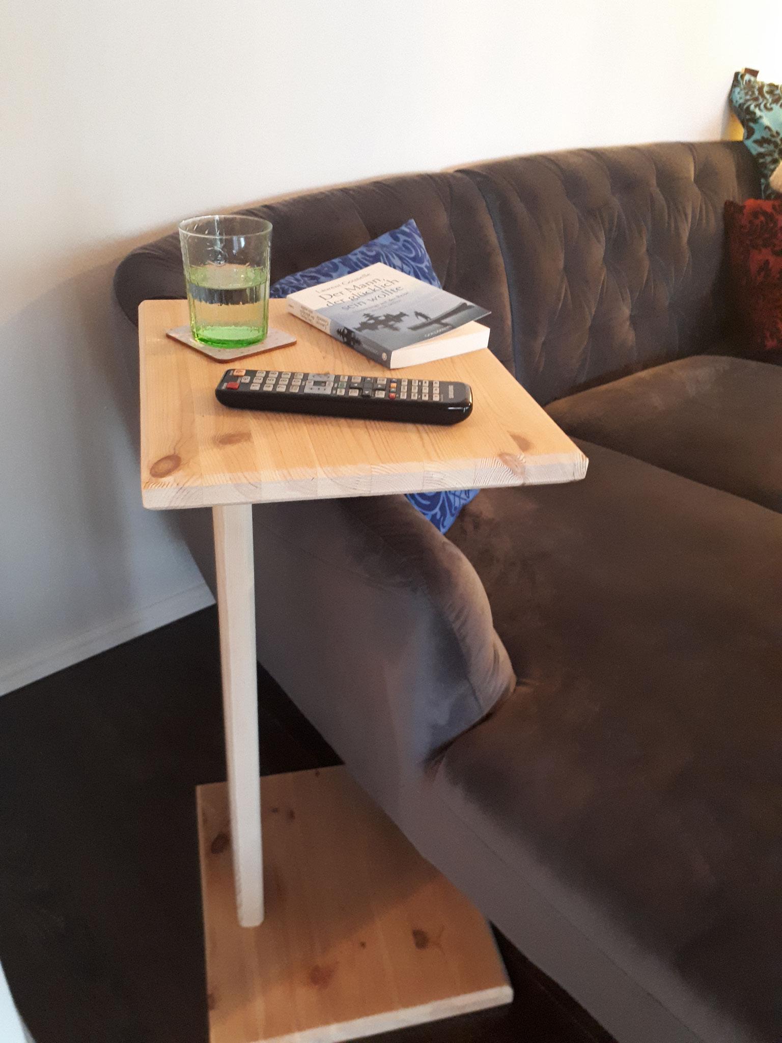 Couch Beistell Tisch