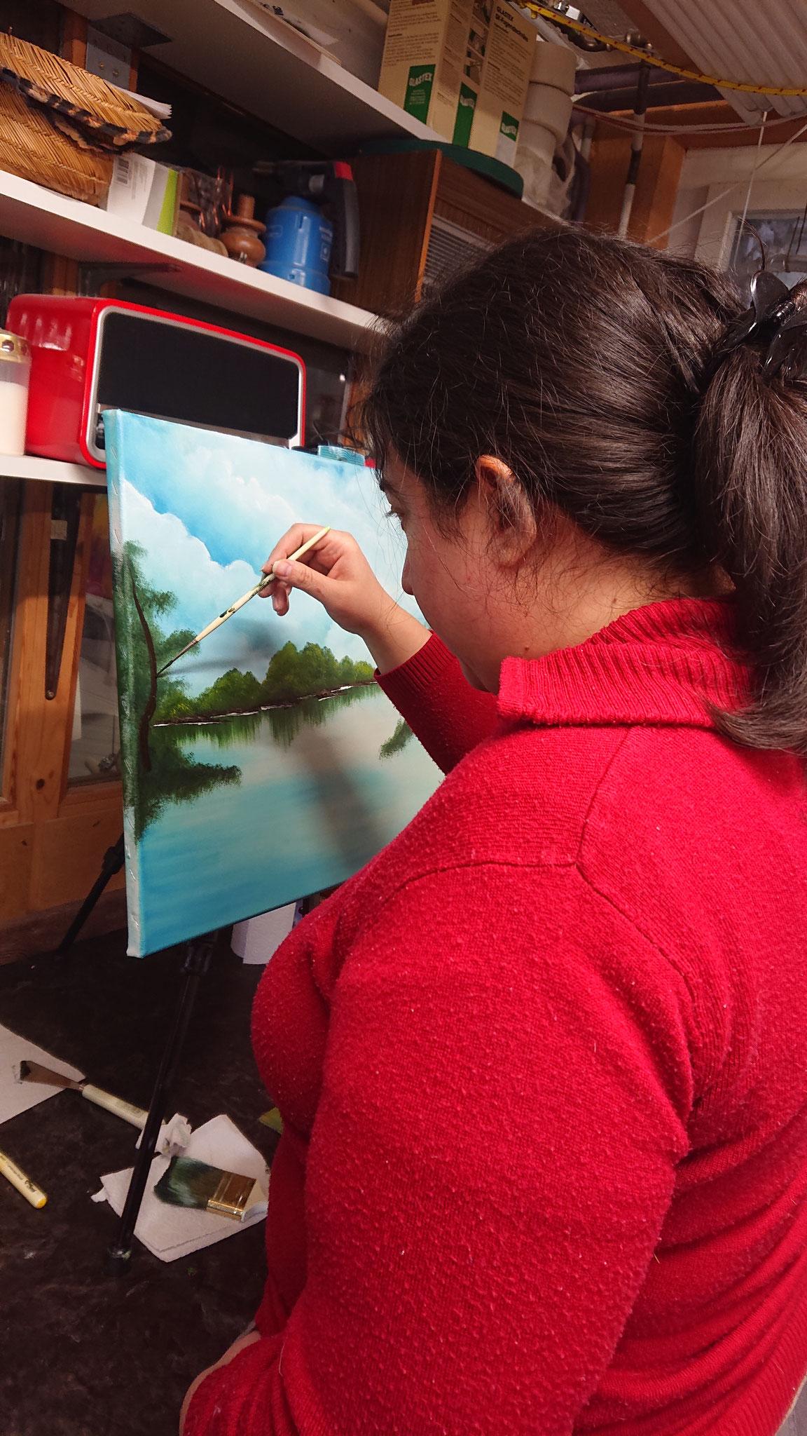 Wir kommen weiter nach vorne, malen schon die Inseln und Bäume.