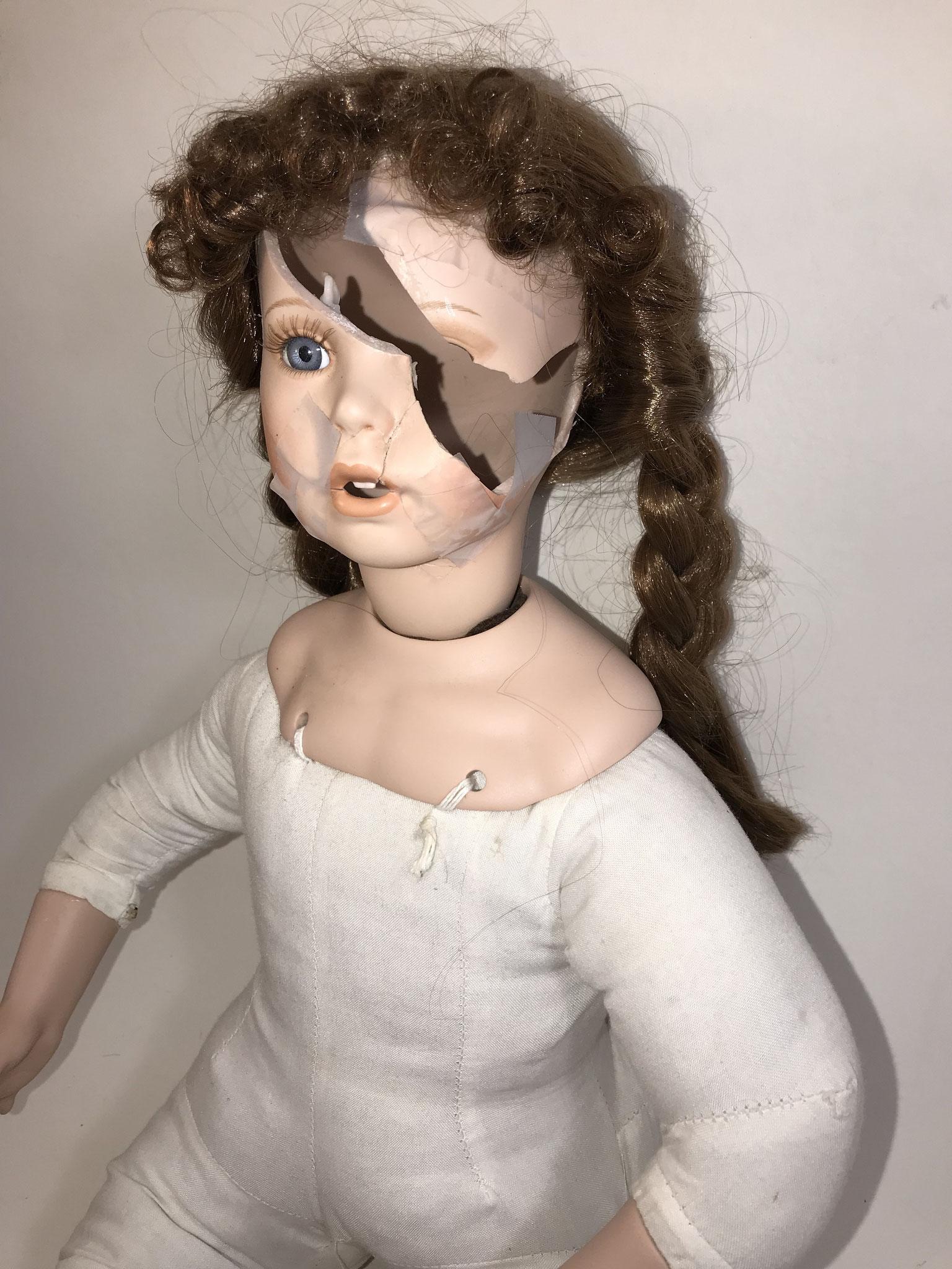 Poupée contemporaine de La clinique des poupées - Bordeaux