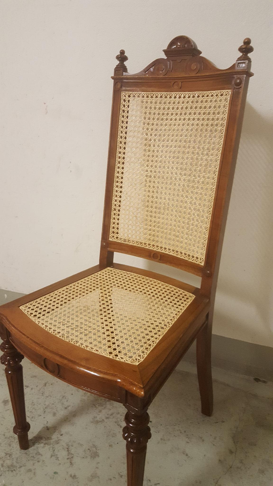 Stuhl mitRattan-Naturrohrschienen Geflecht (Jonc)
