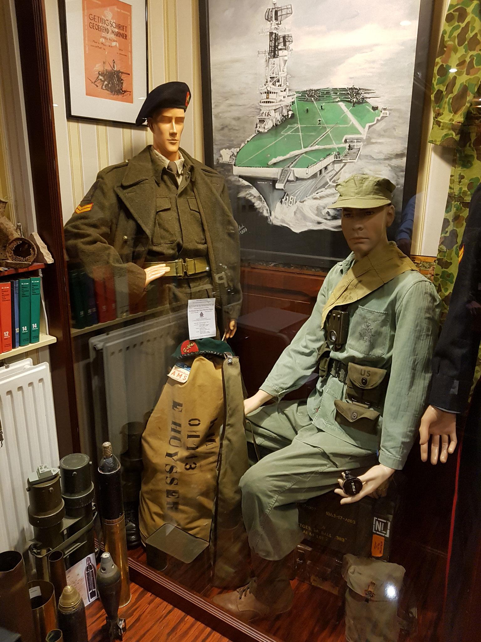 en nog meer uniformen! vormen onderdeel van een verzameling.