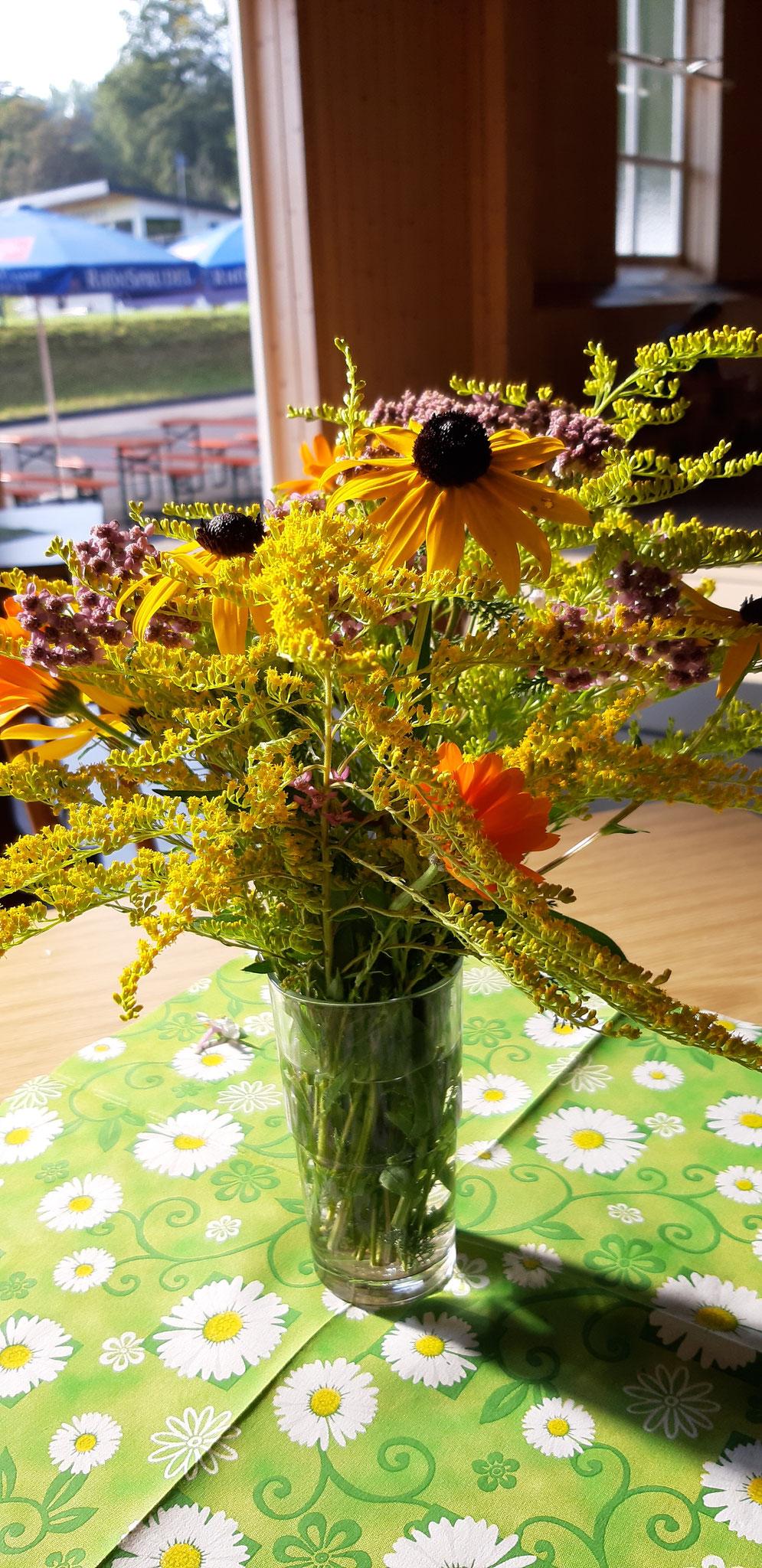 Ein Dank an Monika für die Blumen!