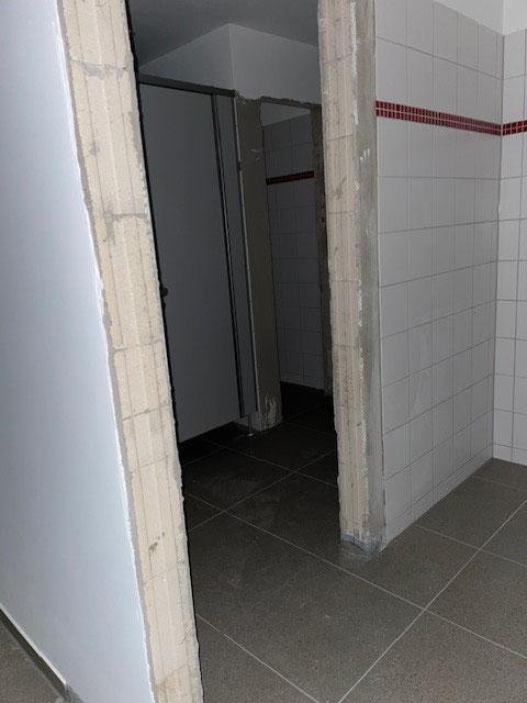 neues Mädchen-WC im Ostflügel
