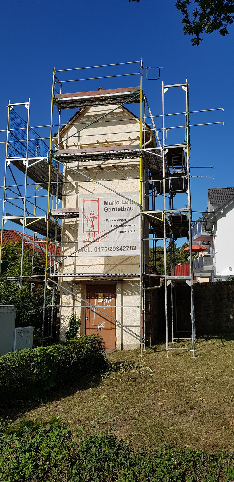 Sanierung von Dach und Fassade