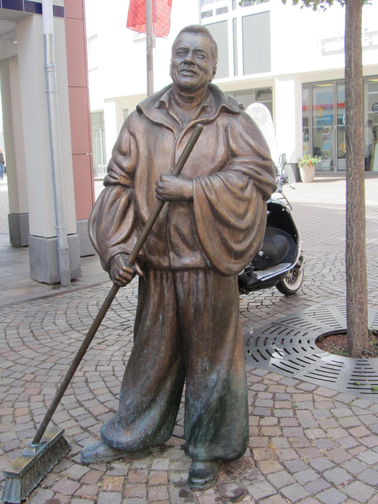 Harry von de Gass, ein Idsteiner Original, hier wurde ihm ein Denkmal gesetzt